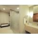 Amplio baño en nuestras Suites.
