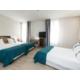 Drei betten Zimmer mit Sofabett