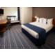 Gerieflijke rookvrije kamer met tweepersoonsbed en slaapbank