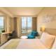 Queen Bed Guest Room - Holiday Inn Express Semarang Simpang Lima
