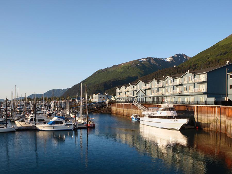 Holiday Inn Express Seward Harbor Hotel In Seward Alaska