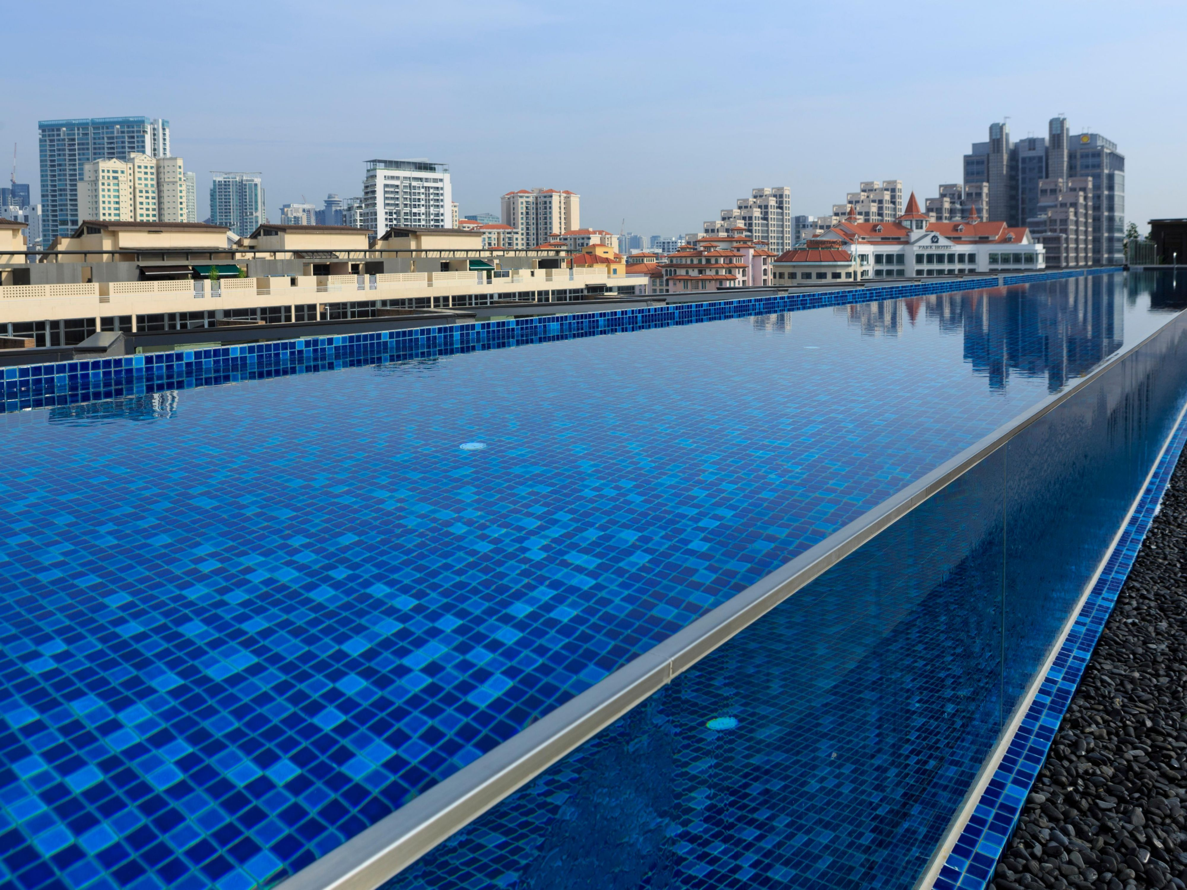 Rooftop Swimming Pool at Holiday Inn Express Singapore Clarke Quay