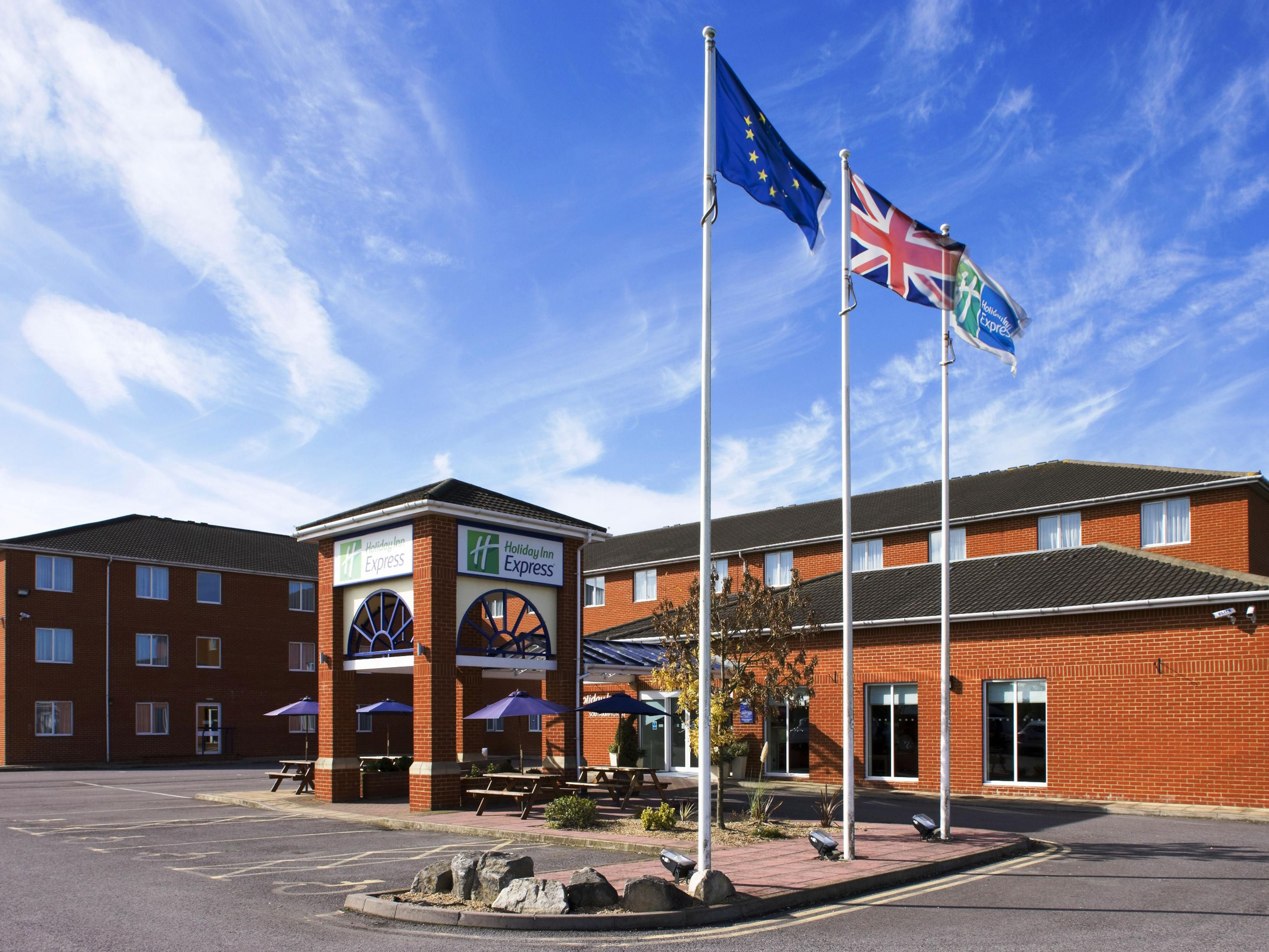 Welcome to Holiday Inn Express Southampton - West