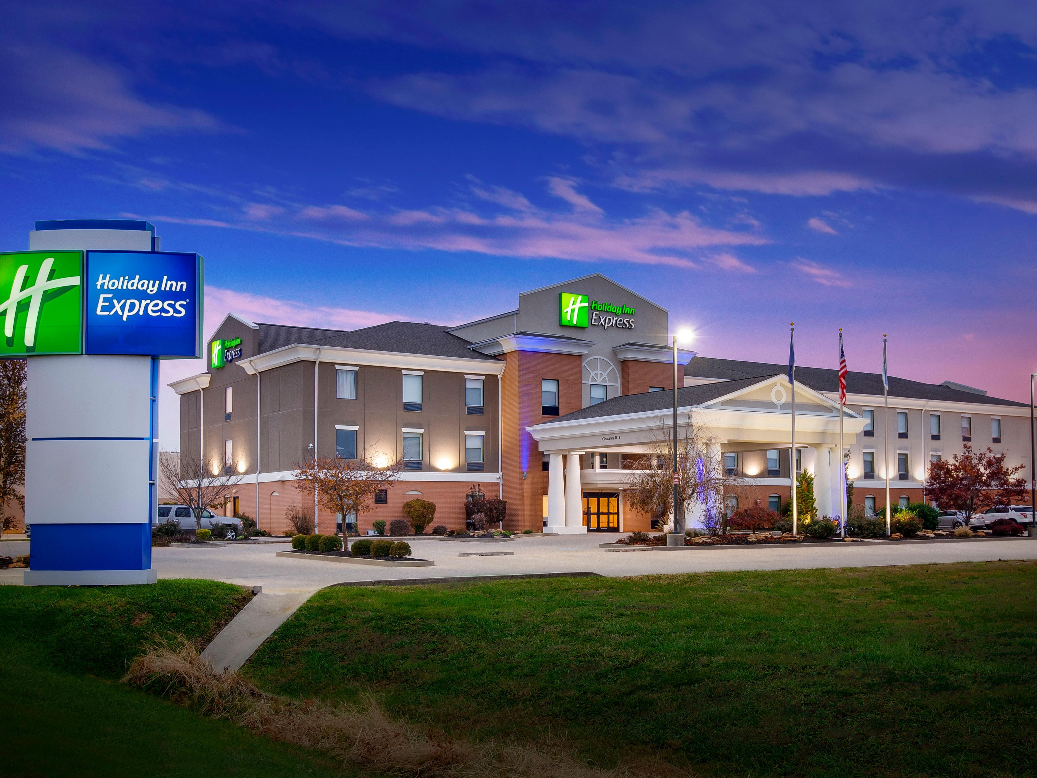 Holiday Inn Express Vincennes Hotel By Ihg