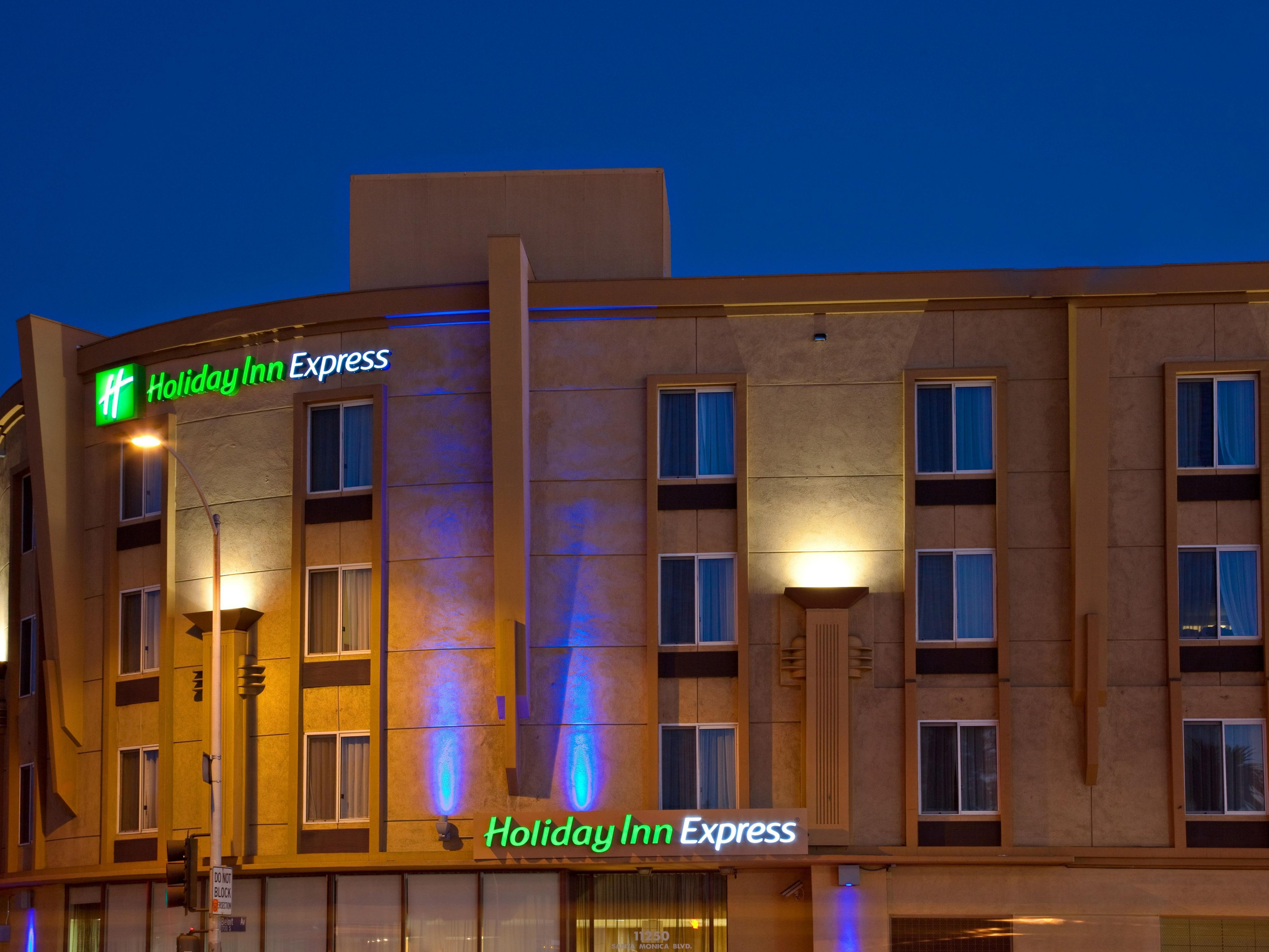 Holiday Inn Express West Los Angeles Hotel Exterior