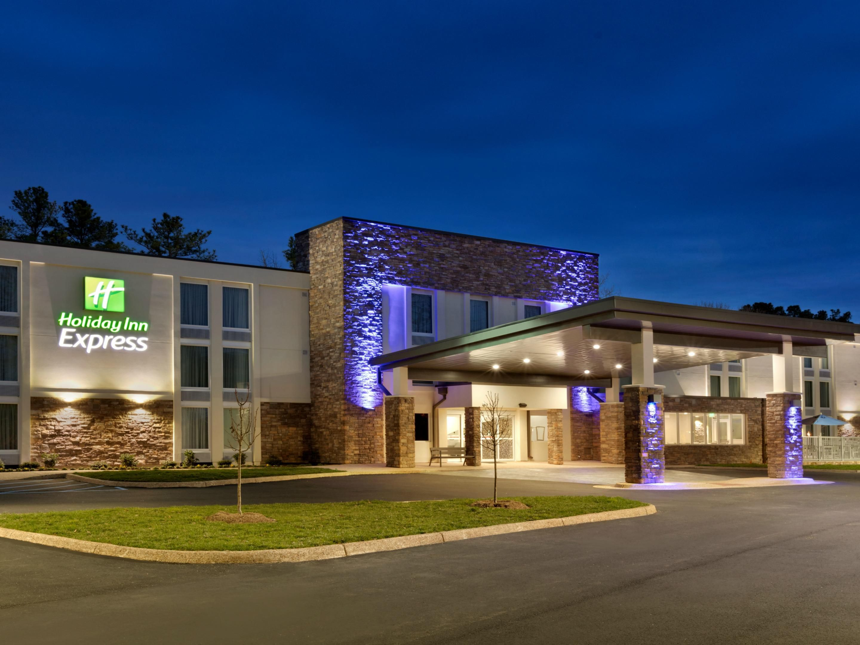 Holiday Inn Express Williamsbrg Busch Gardens Area Hotel
