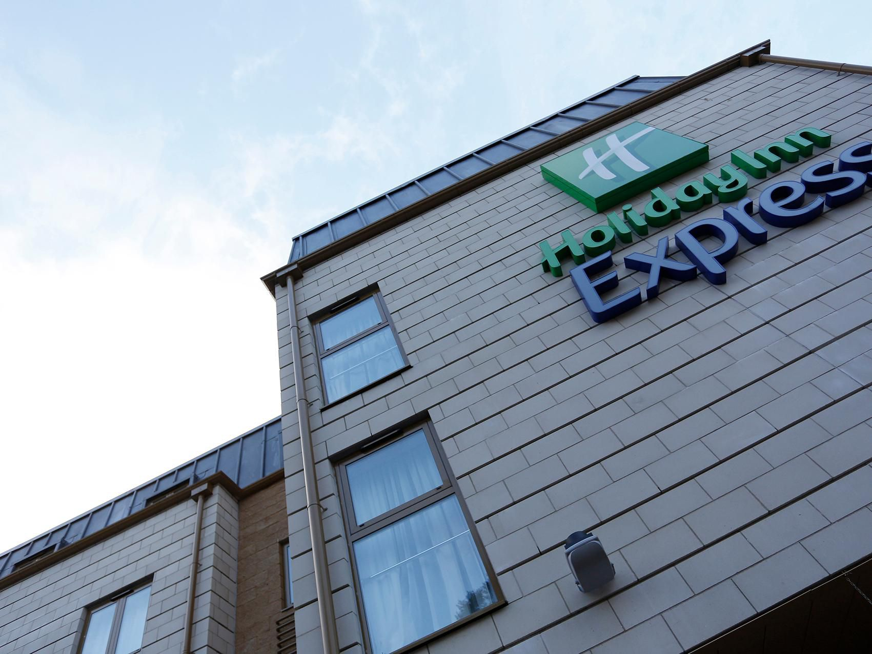 Welcome to the Holiday Inn Express Windsor hotel