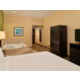 Sacramento Airport Holiday Inn Express Woodland Jacuzzi Suite