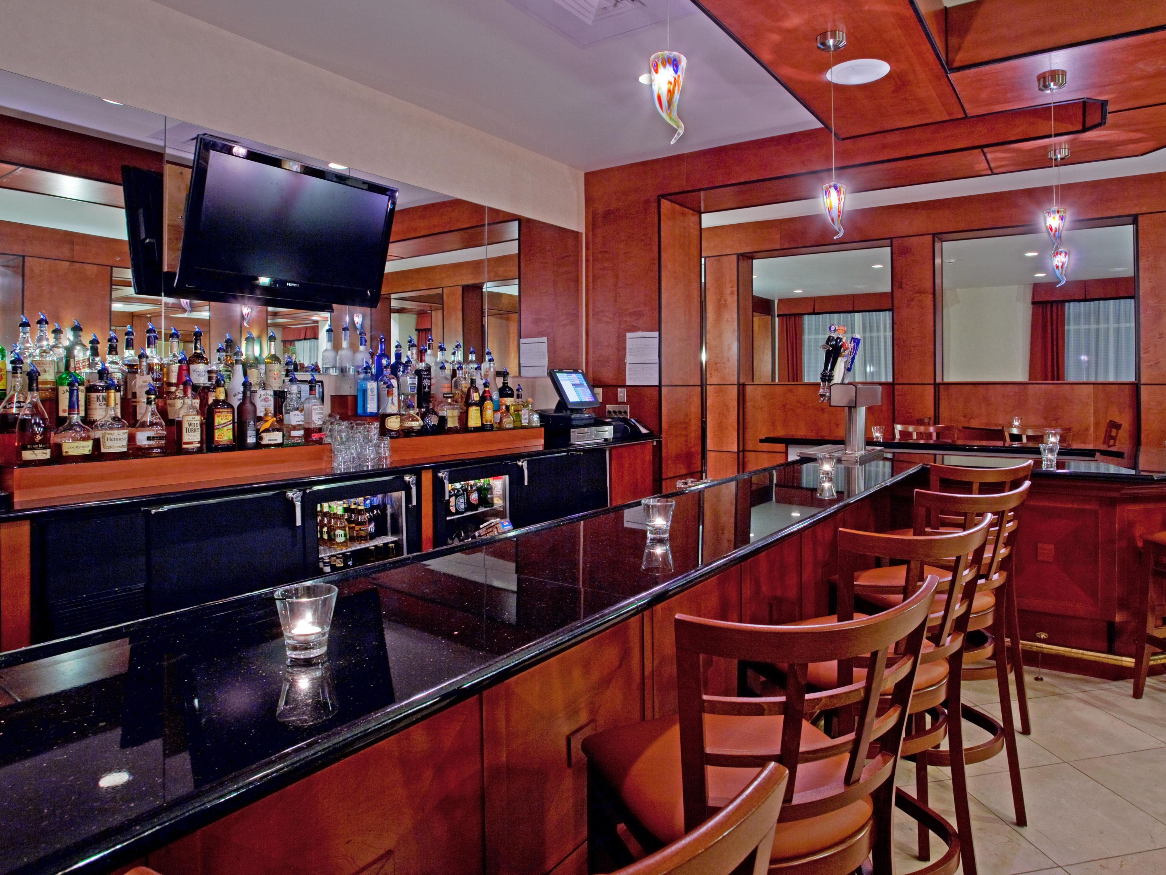 Bar and Lounge