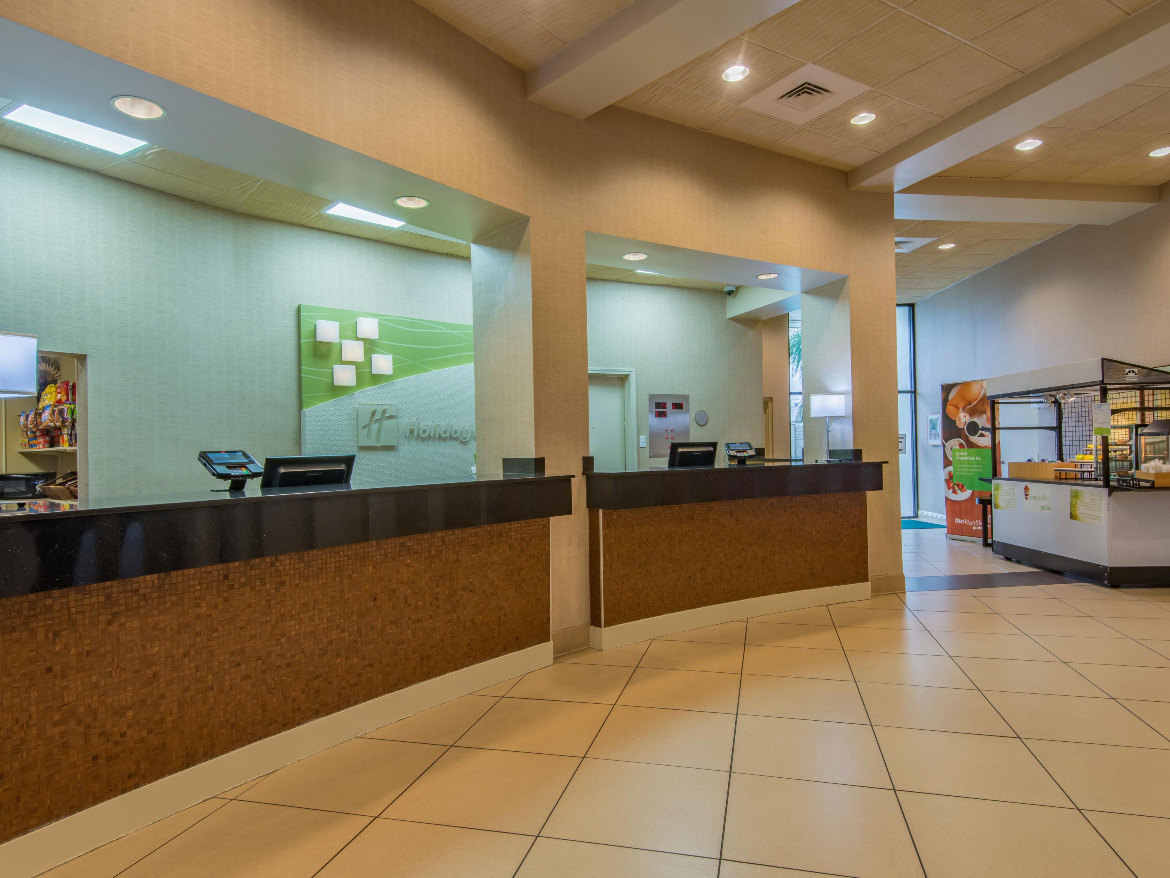 Front Desk - Holiday Inn New Orleans Westbank