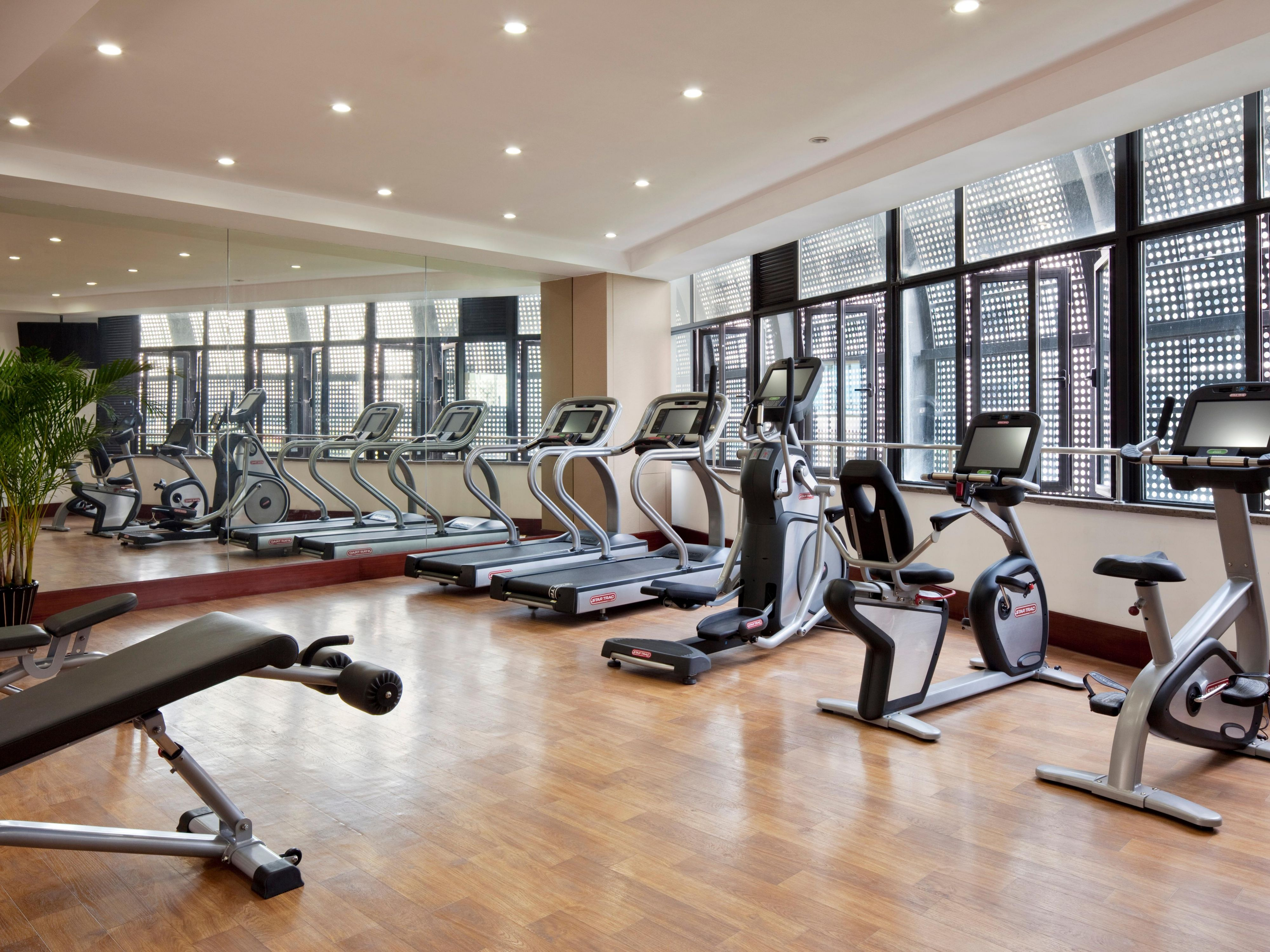 State-of-the-art equipments for a complete workout.