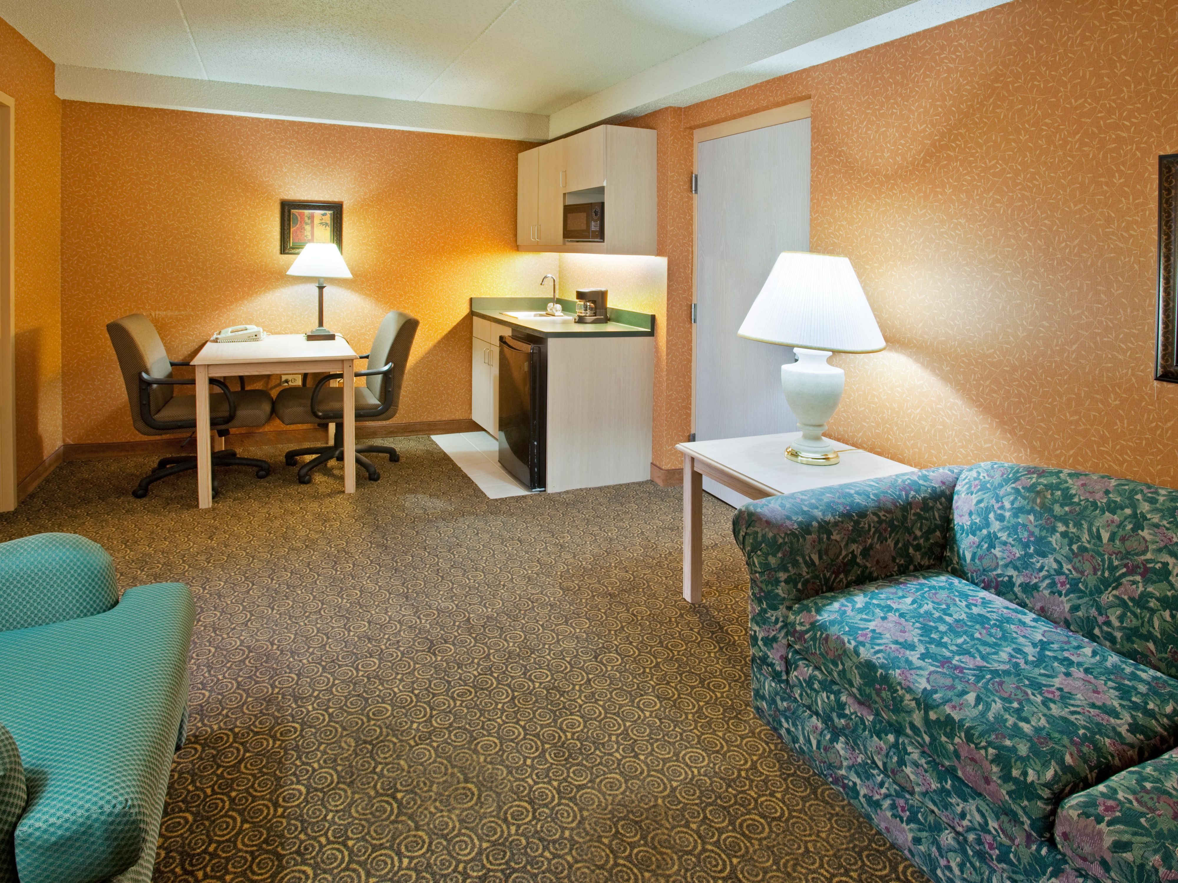 Hotel Suites in Bolingbrook, IL