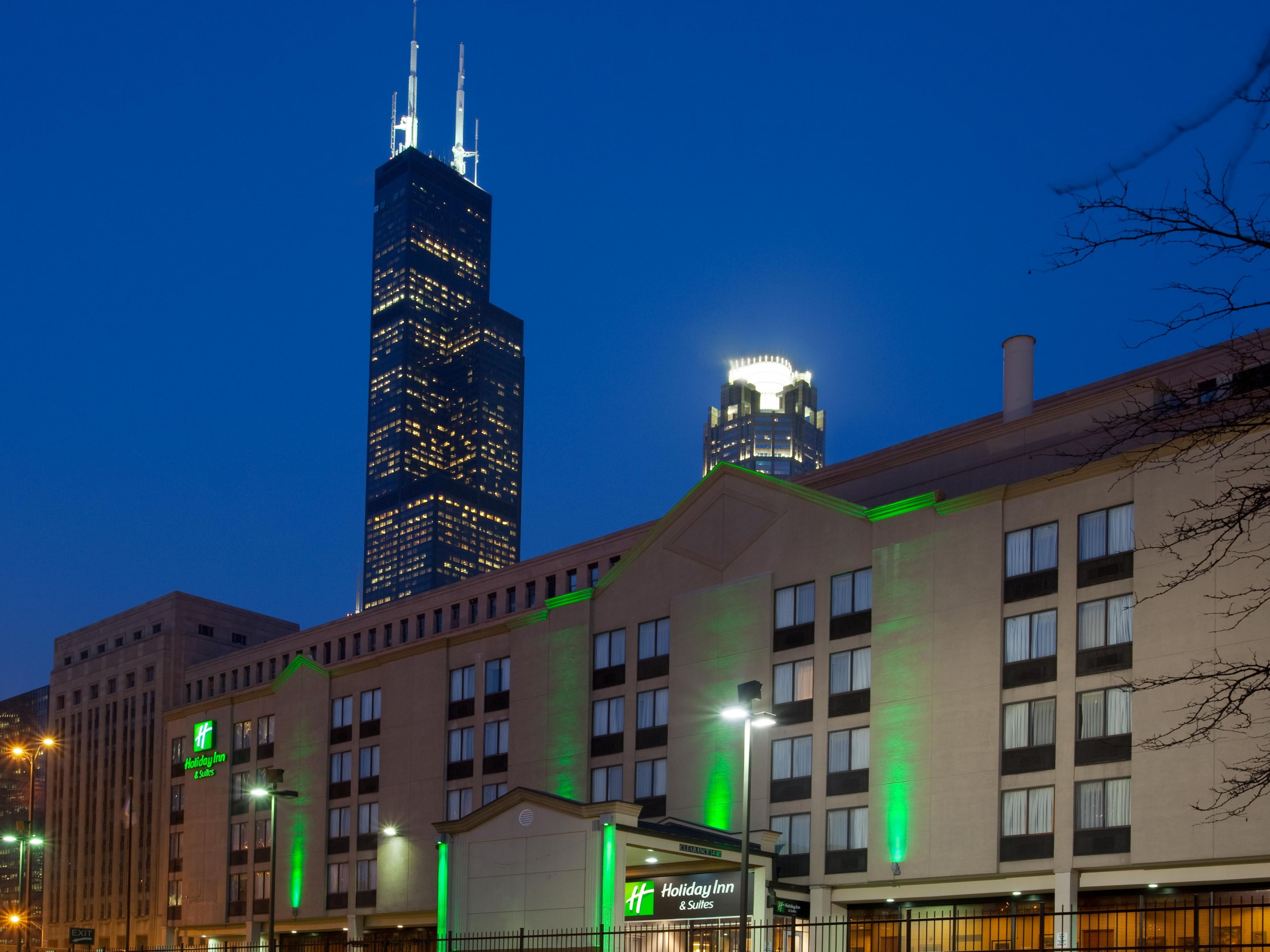 Holiday Inn Chicago Downtown Hotel near Willis Tower (Sears Tower)