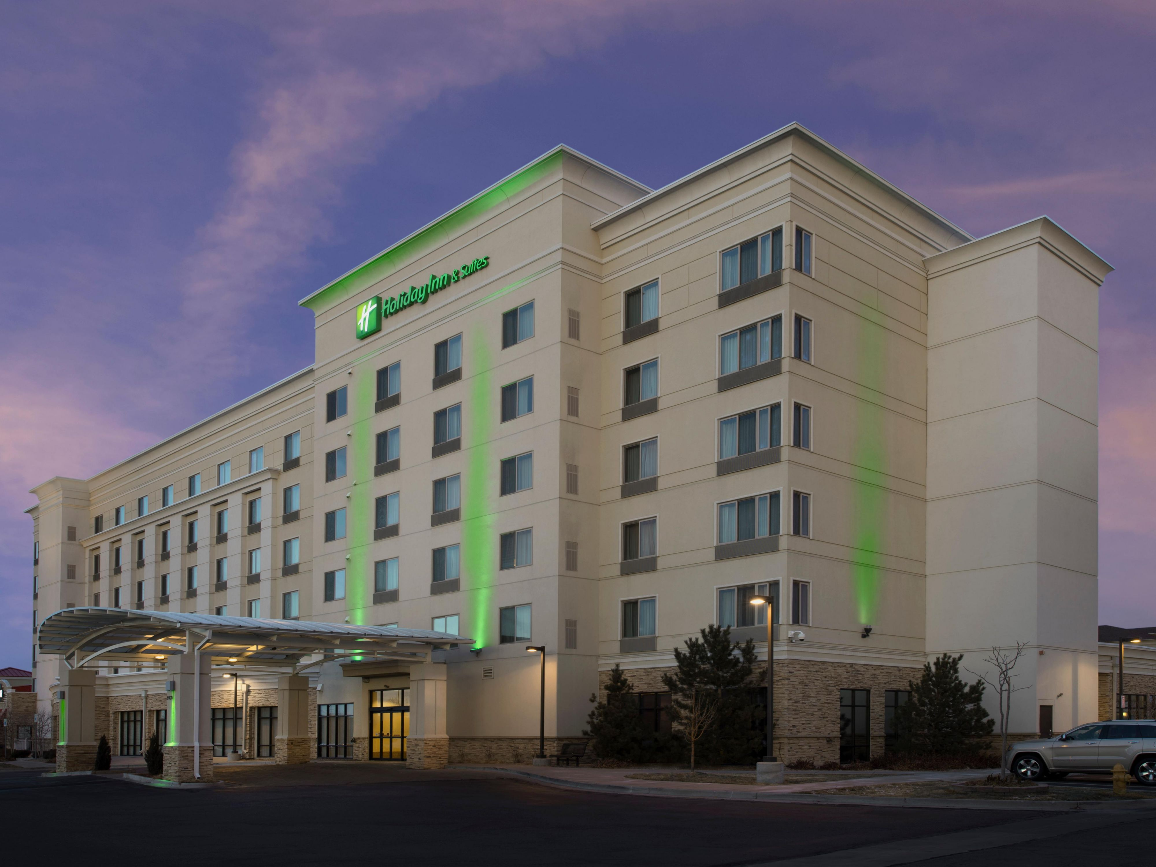 North Denver Hotels With Free Shuttle Holiday Inn Suites Denver