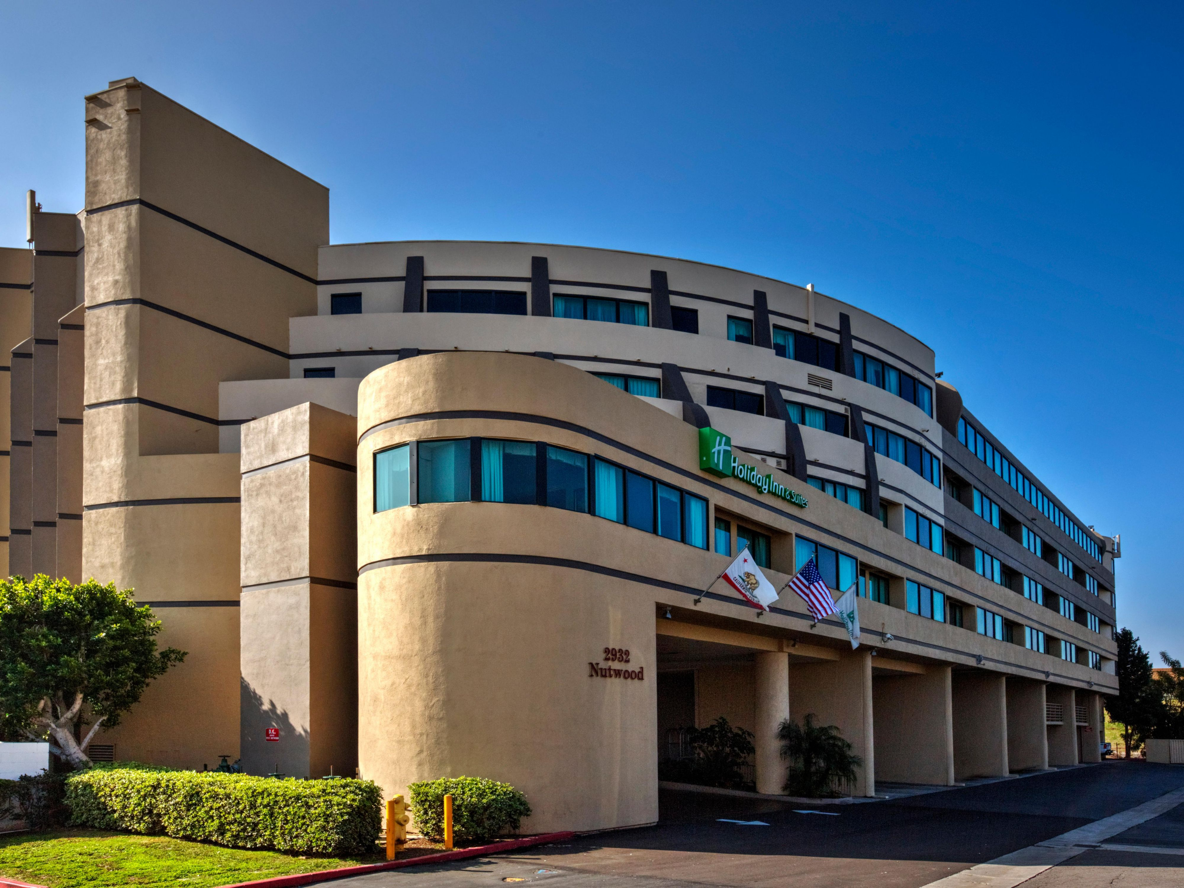 Holiday Inn & Suites near Anaheim/Fullerton