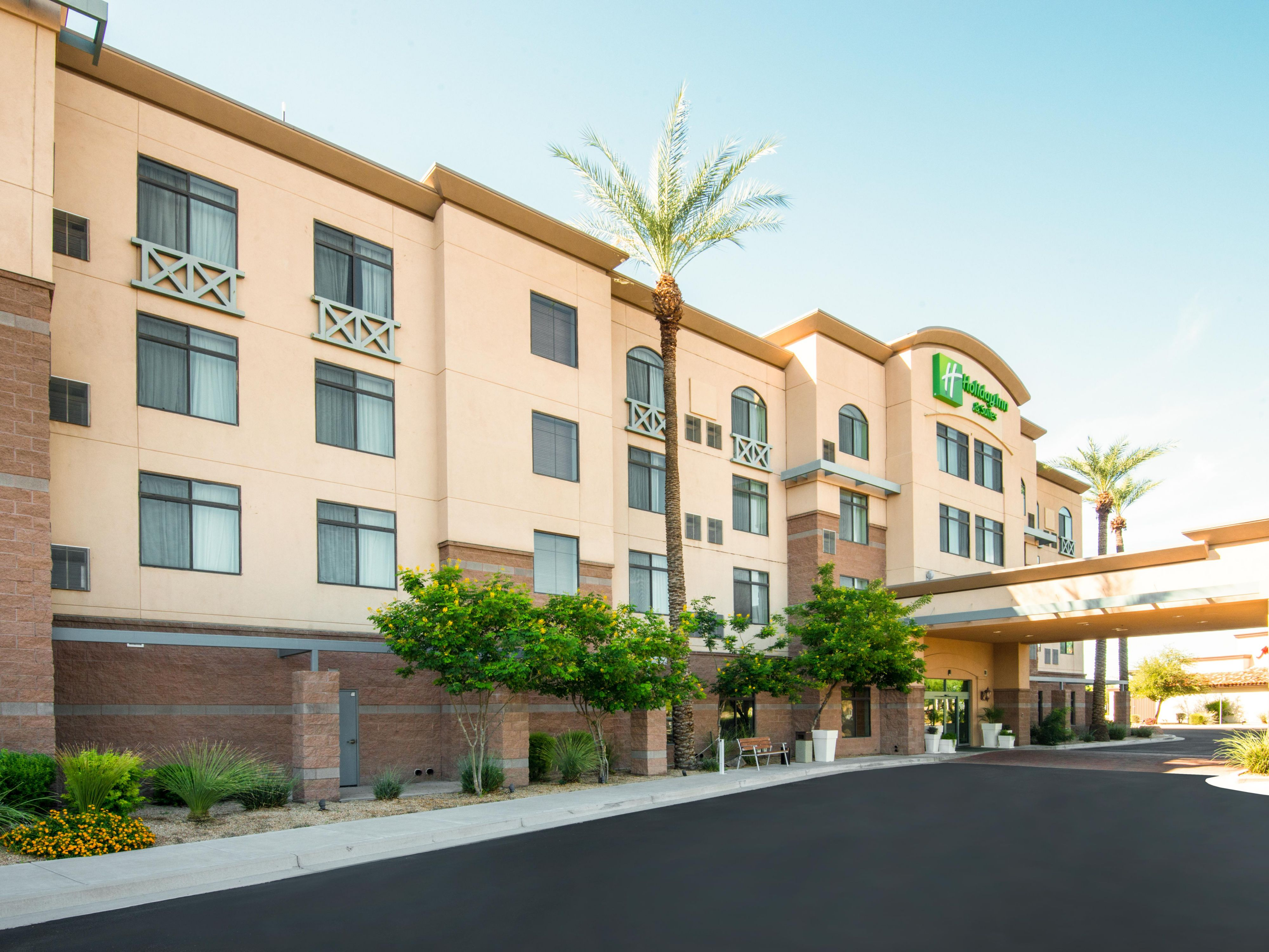 Welcome to the Holiday Inn & Suites West Phoenix Area!