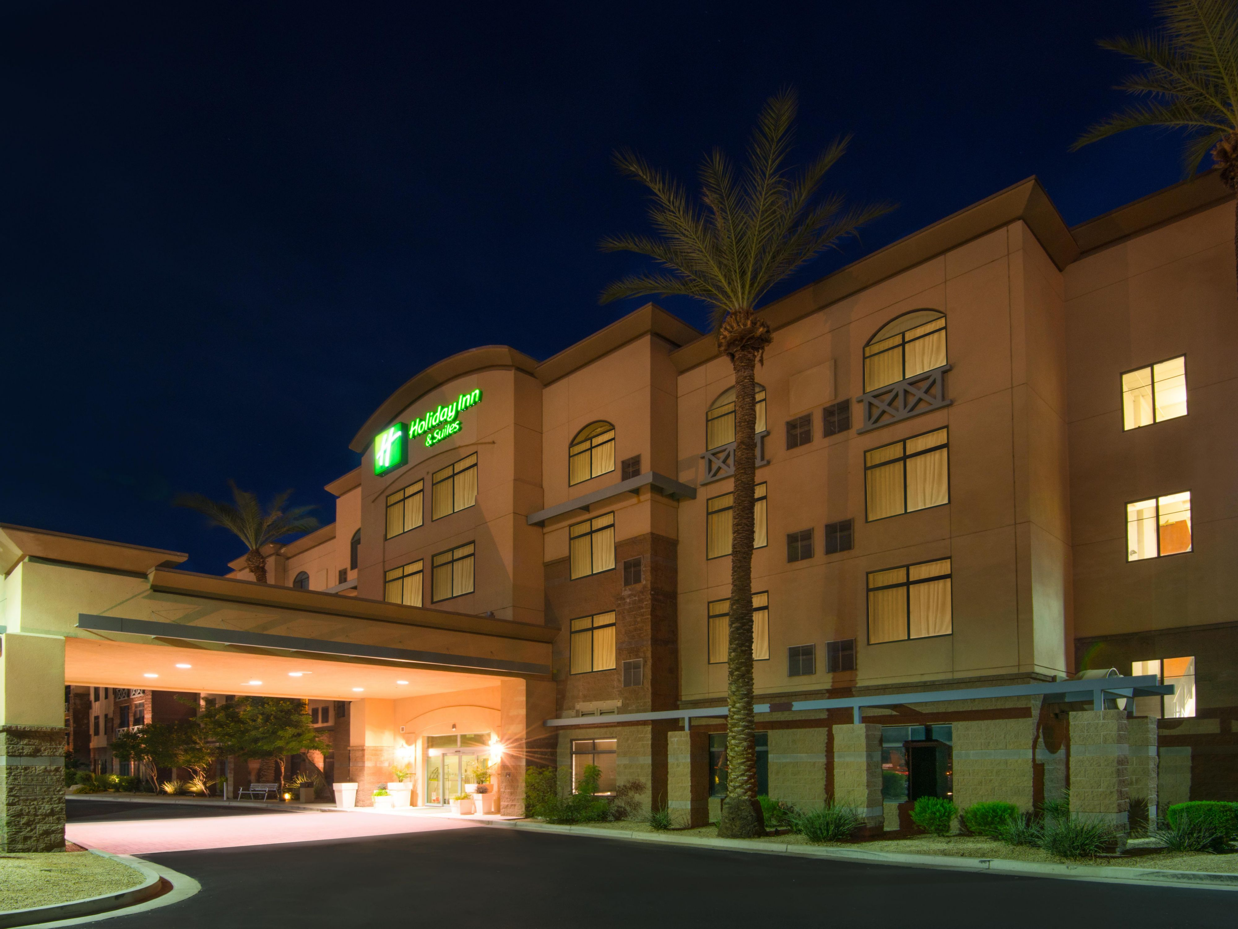 Holiday Inn & Suites Goodyear