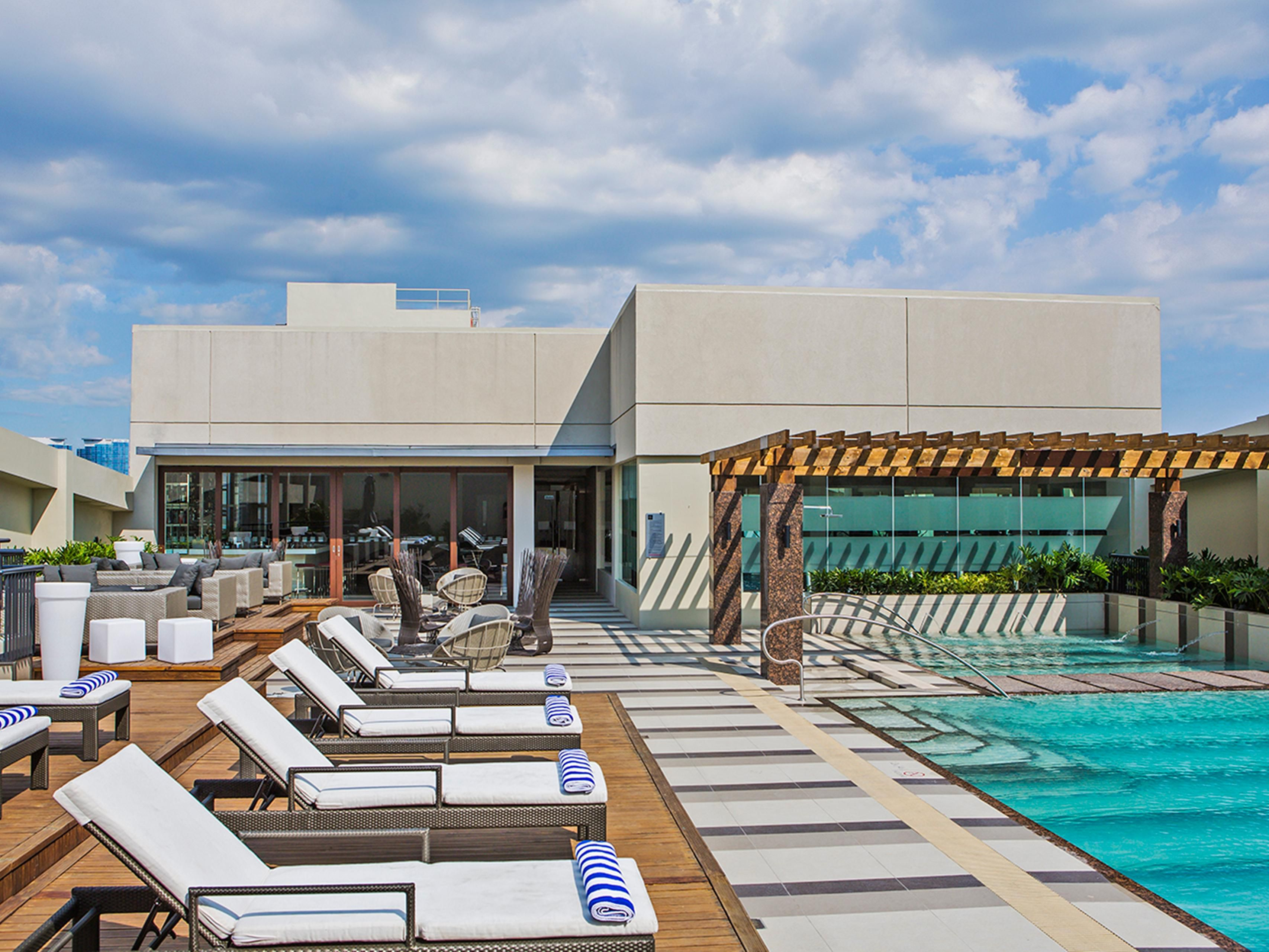 Soak up the sun in our roofdeck swimming pool