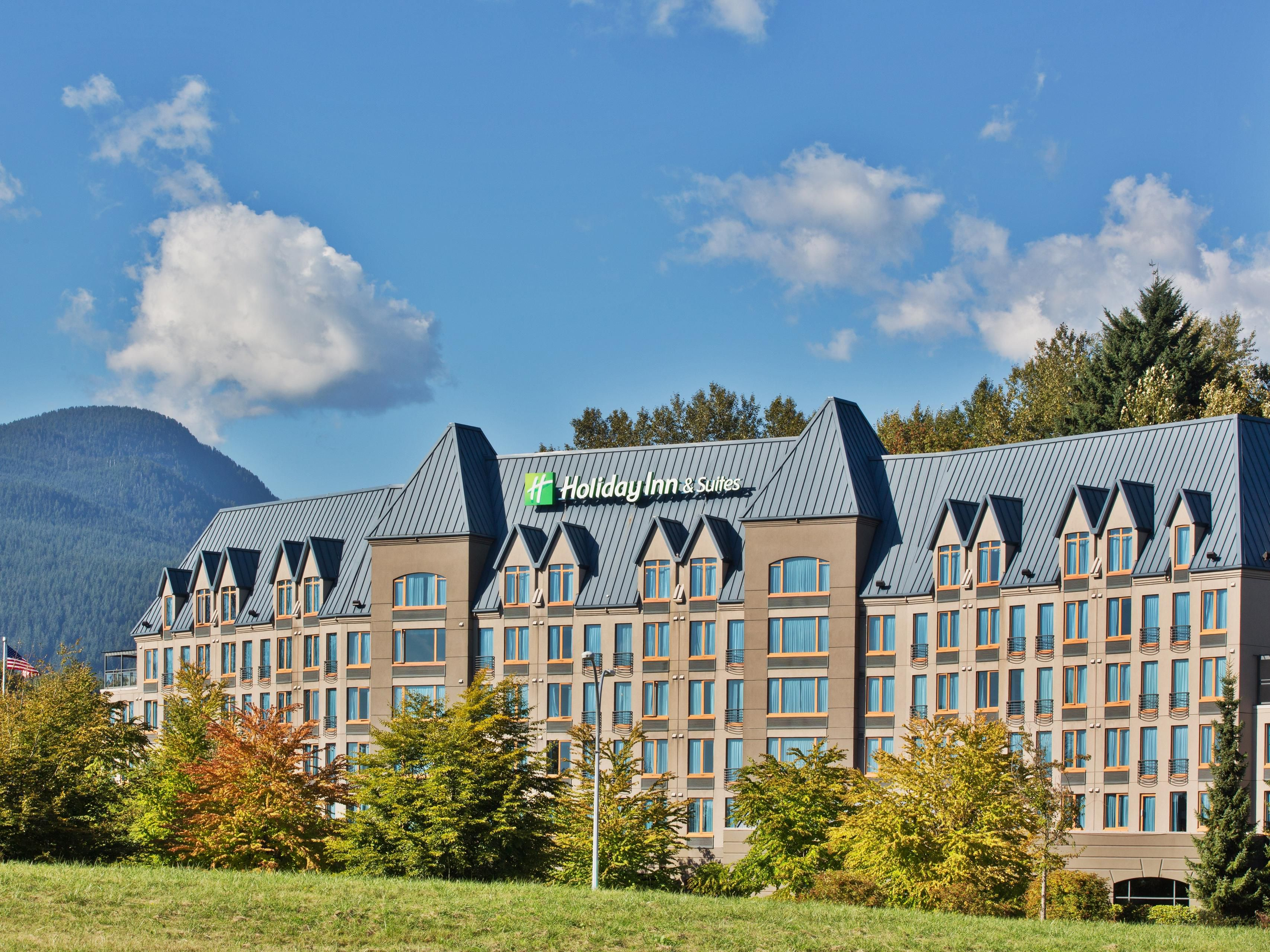 Welcome to the Holiday Inn and Suites North Vancouver