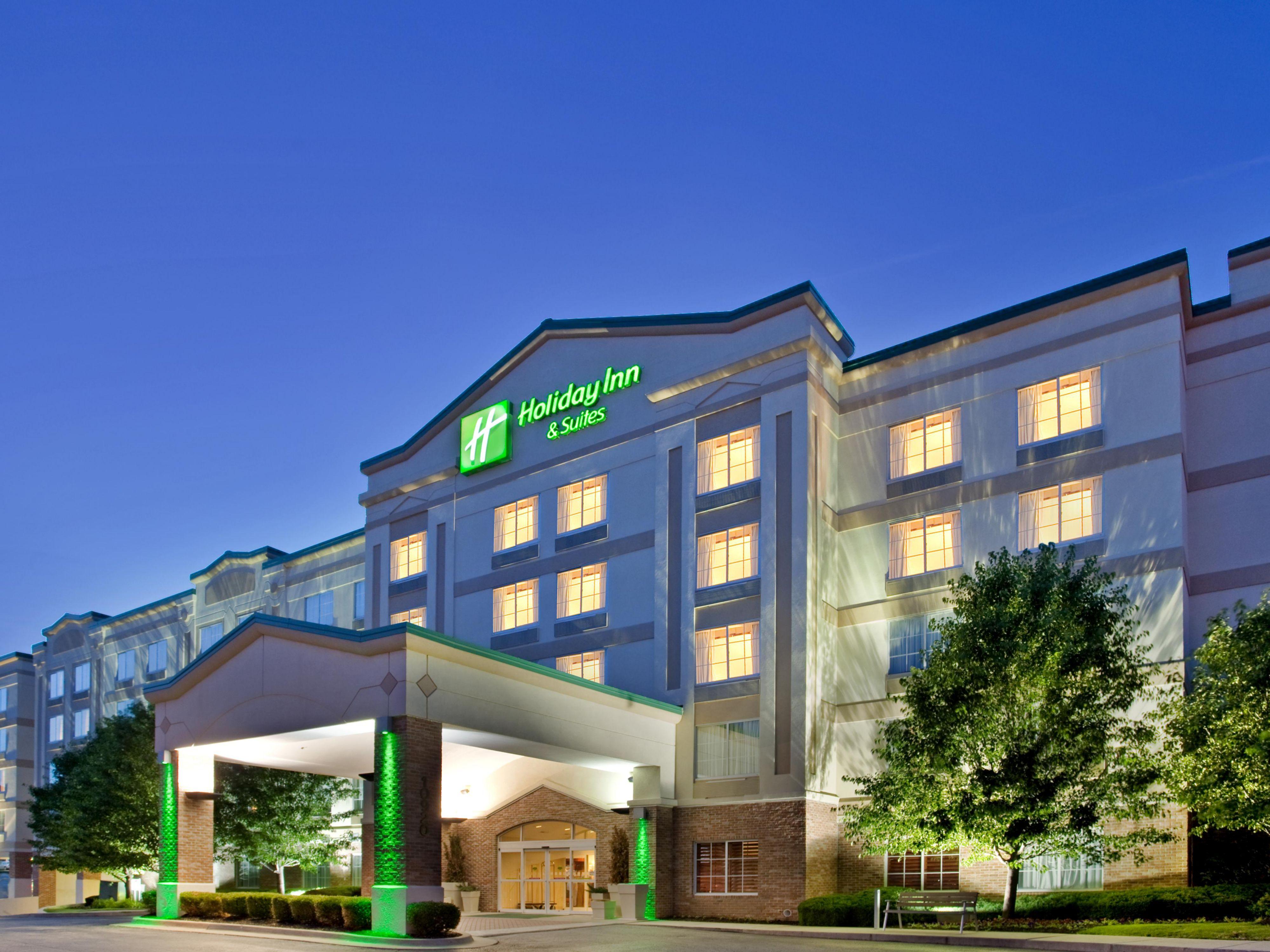 Holiday Inn Suites Overland Park Conv Ctr In Lenexa Kansas
