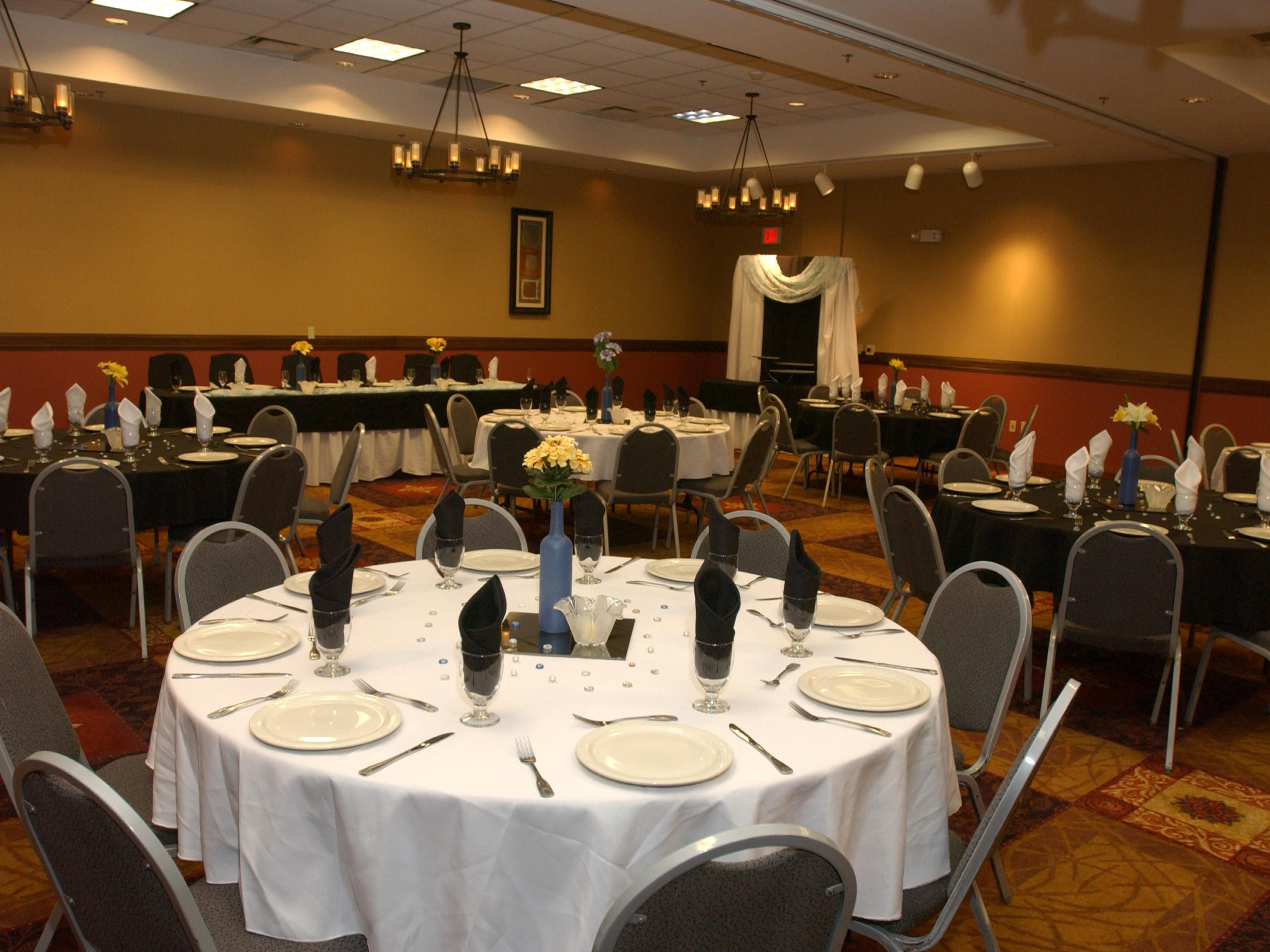 Weddings and banquets up to 300 people