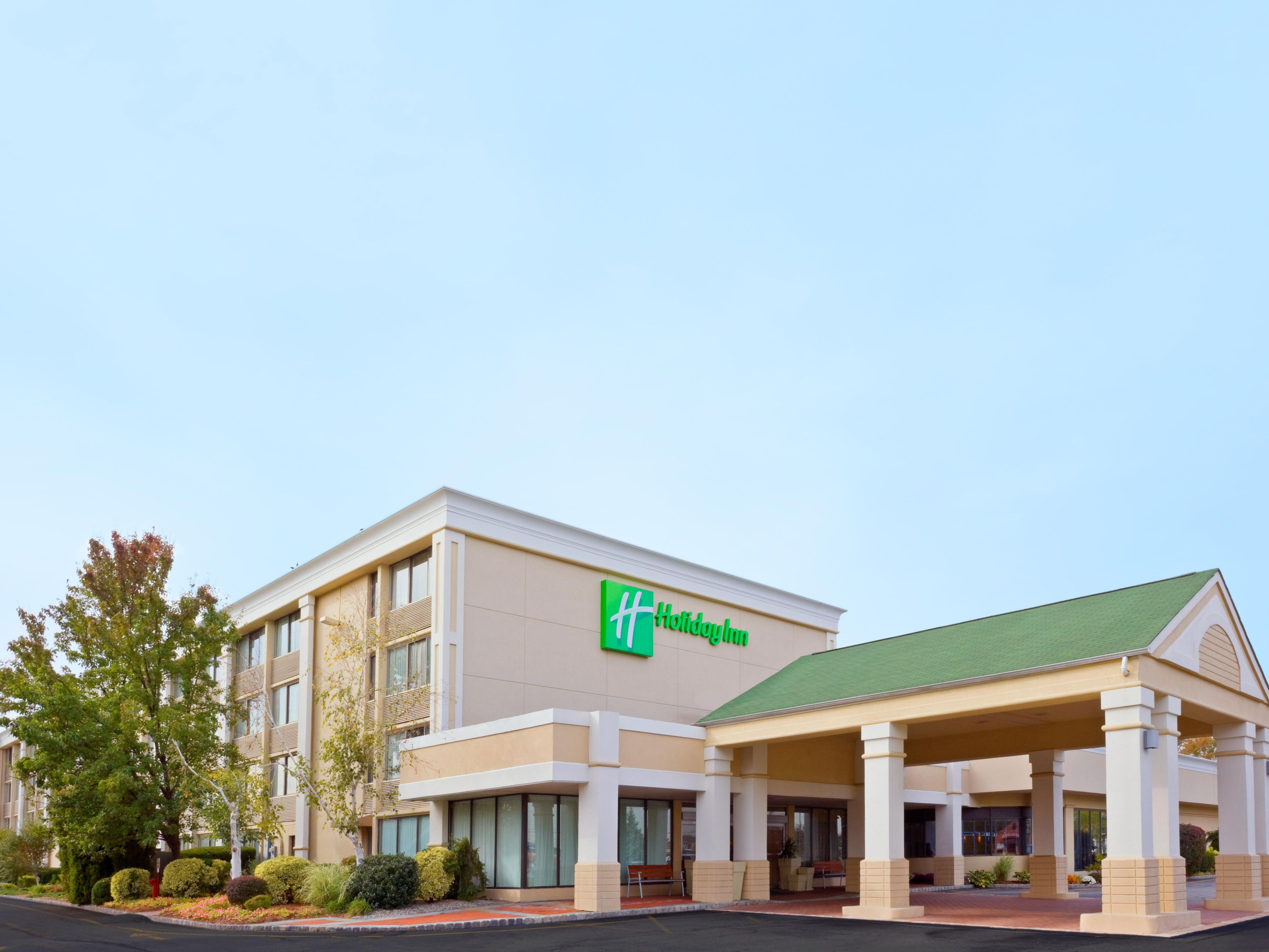 Welcome to our Holiday Inn & Suites - Parsippany