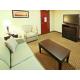 Hi & Suites Rogers at Pinnacle Hills King w Sofabed Ste