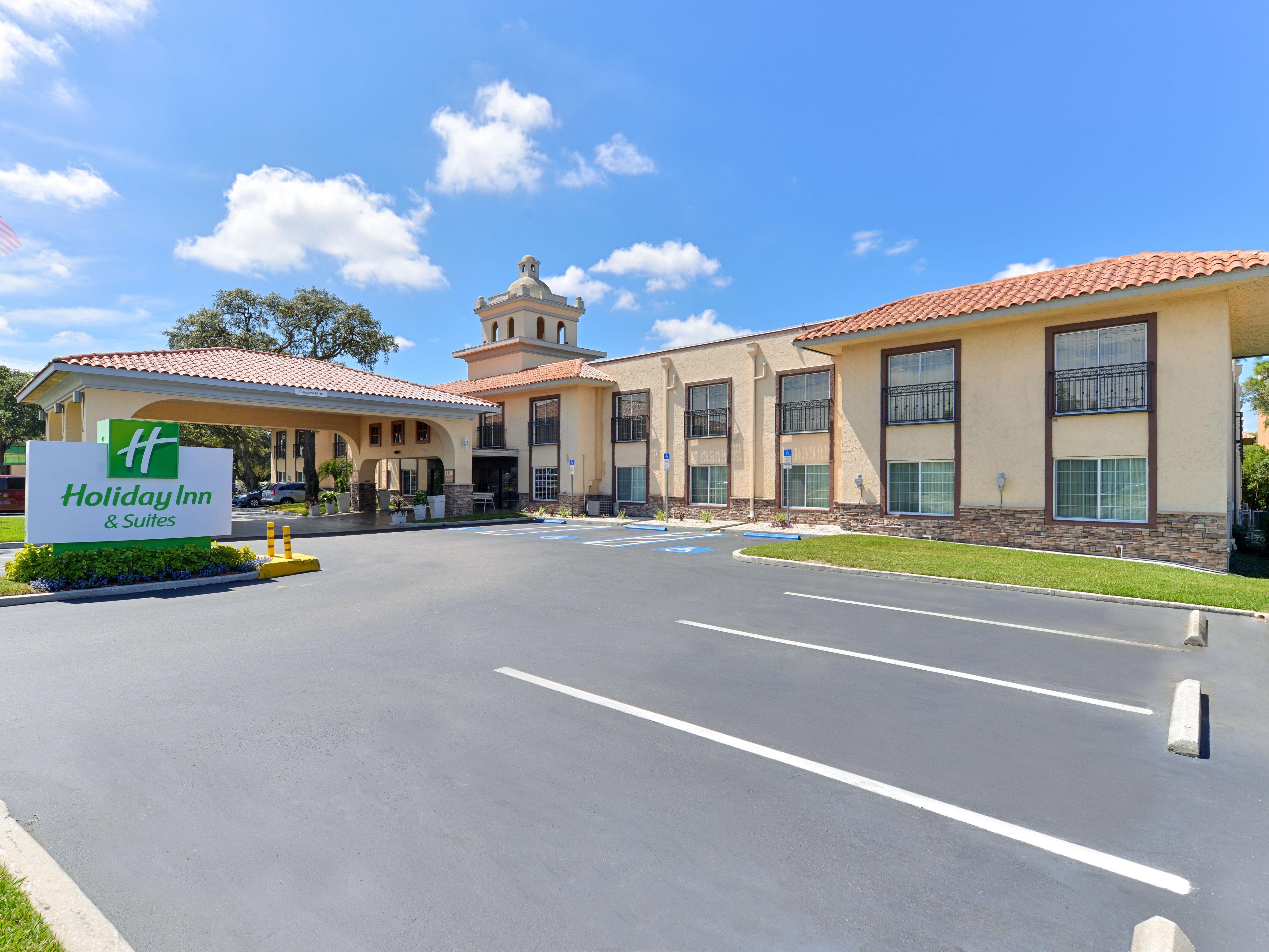 Holiday Inn Hotel Suites Tampa N Busch Gardens Area Hotel By Ihg