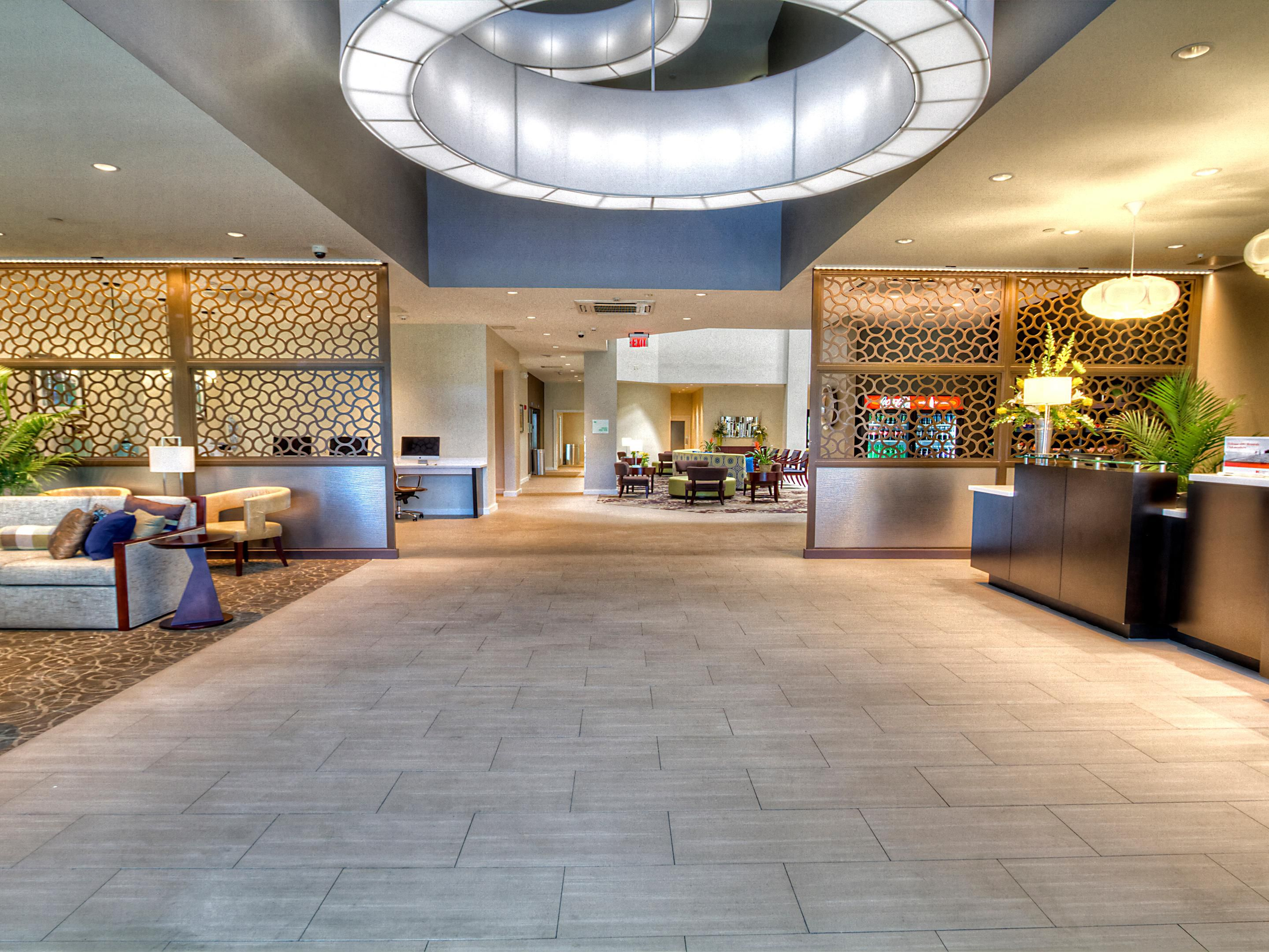 Welcome to the Holiday Inn & Suites Tupelo North lobby.