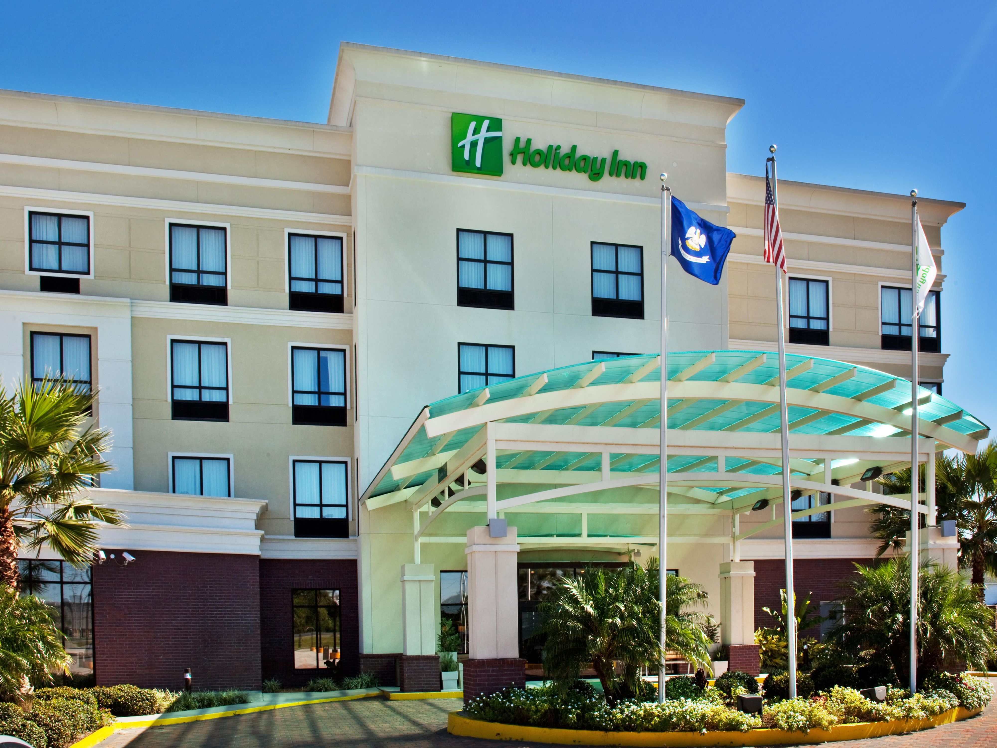 Corporate guests In Houma have easy access to parkng at the Hotel