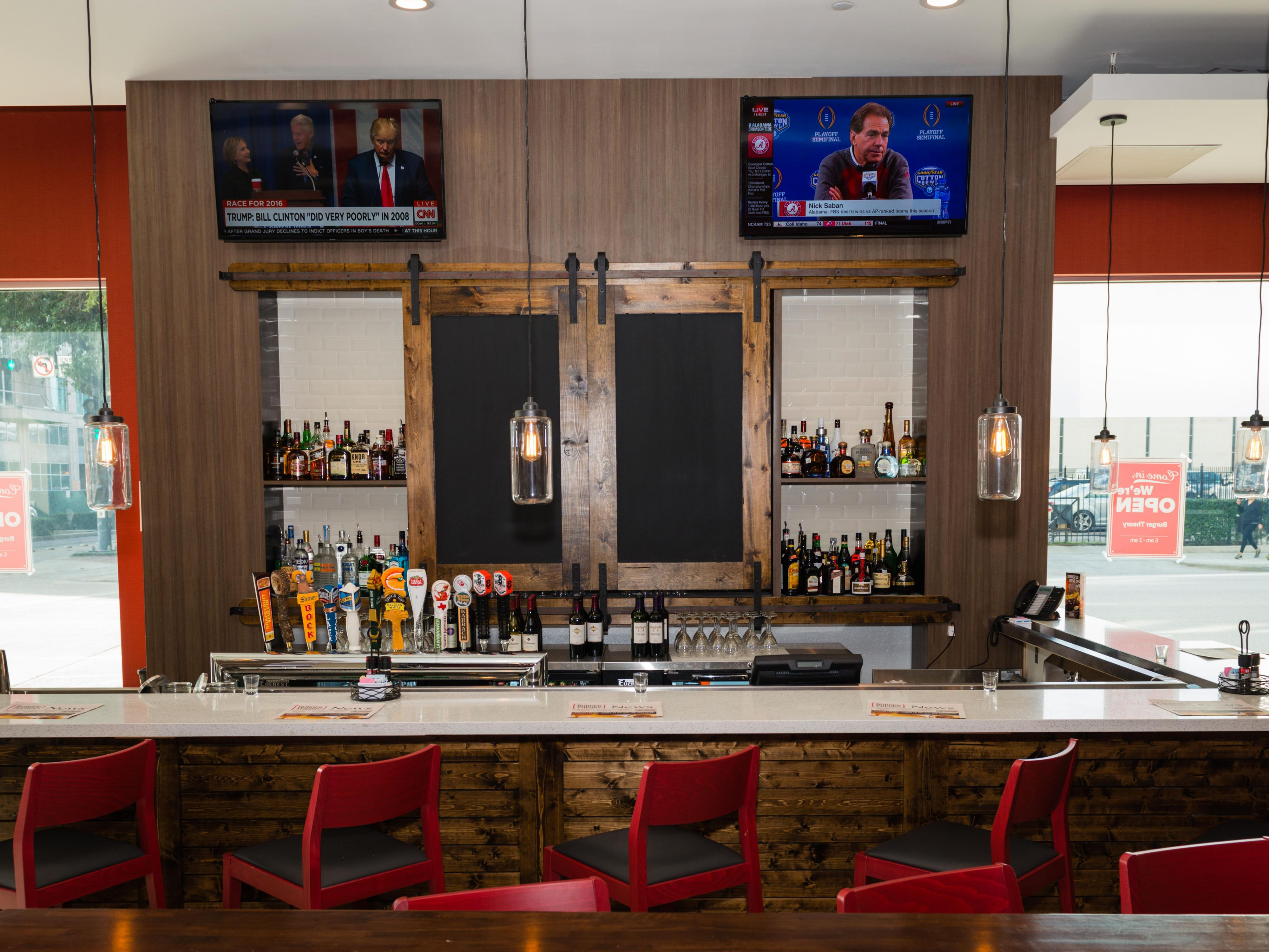 Burger Theory Bar at Holiday Inn Houston Downtown. Local Beers