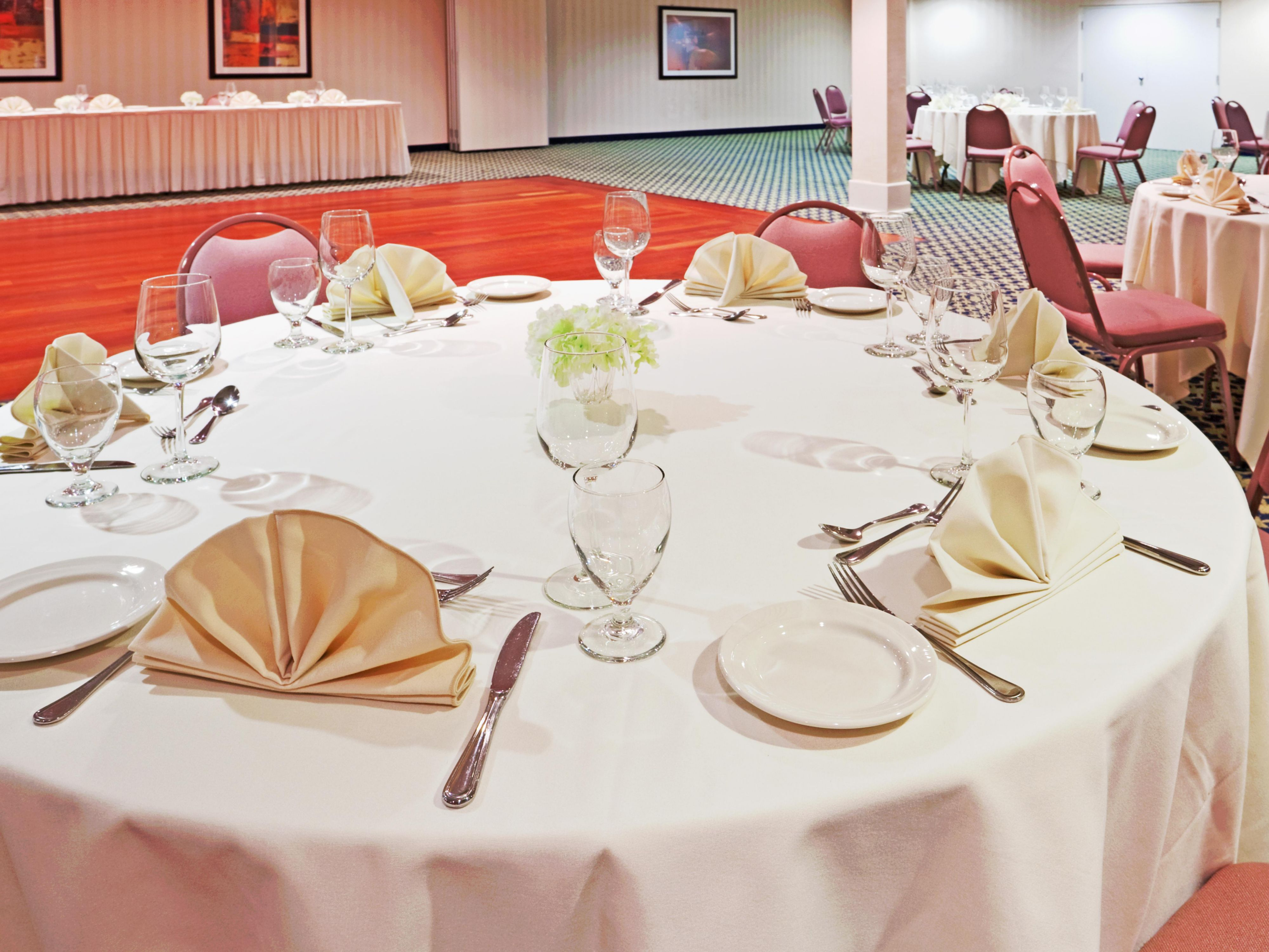 Hyannisport Ballroom for your meetings or functions