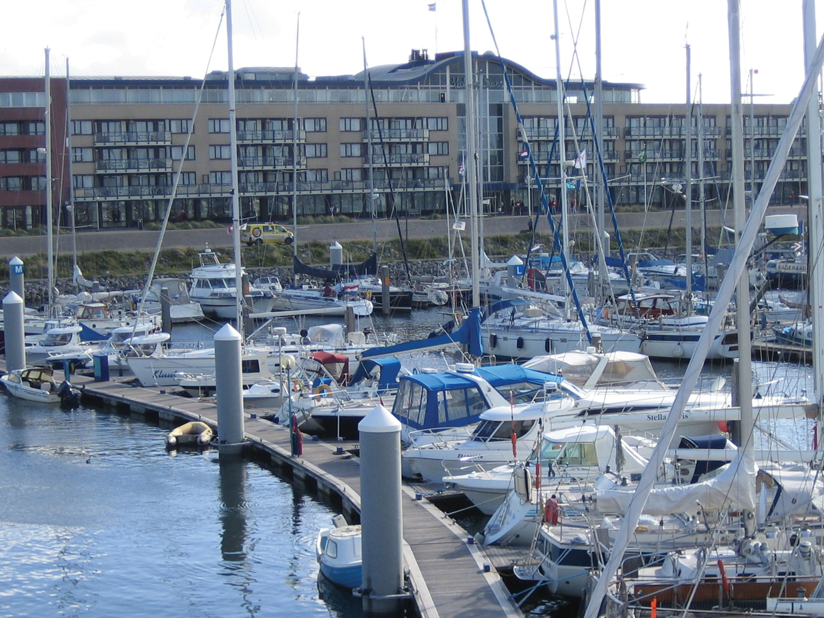 Hotel with Seaport Marina