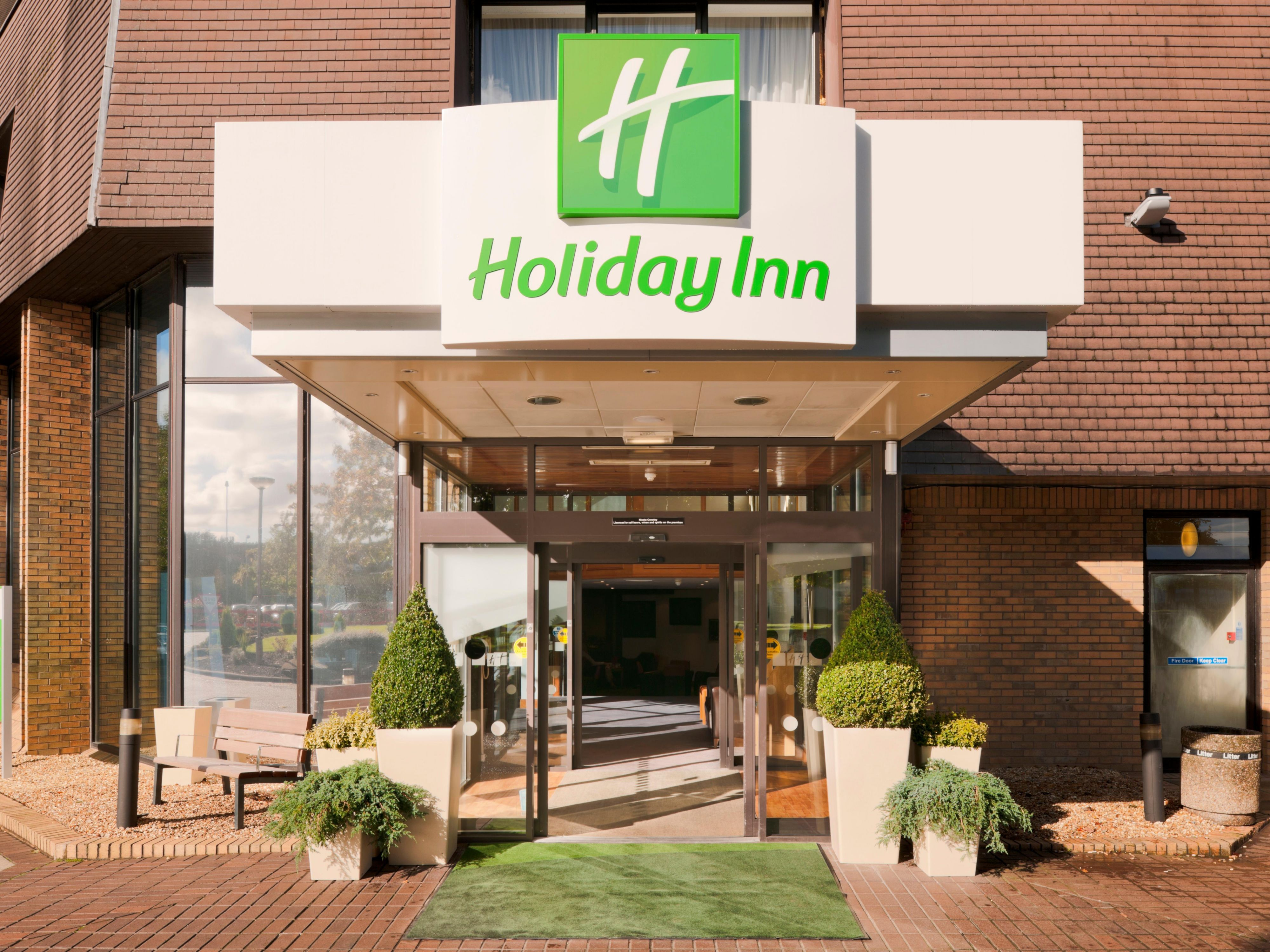 Front Entrance of the Holiday Inn Lancaster