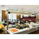 Bar per la colazione dell'Holiday Inn London Commercial Road
