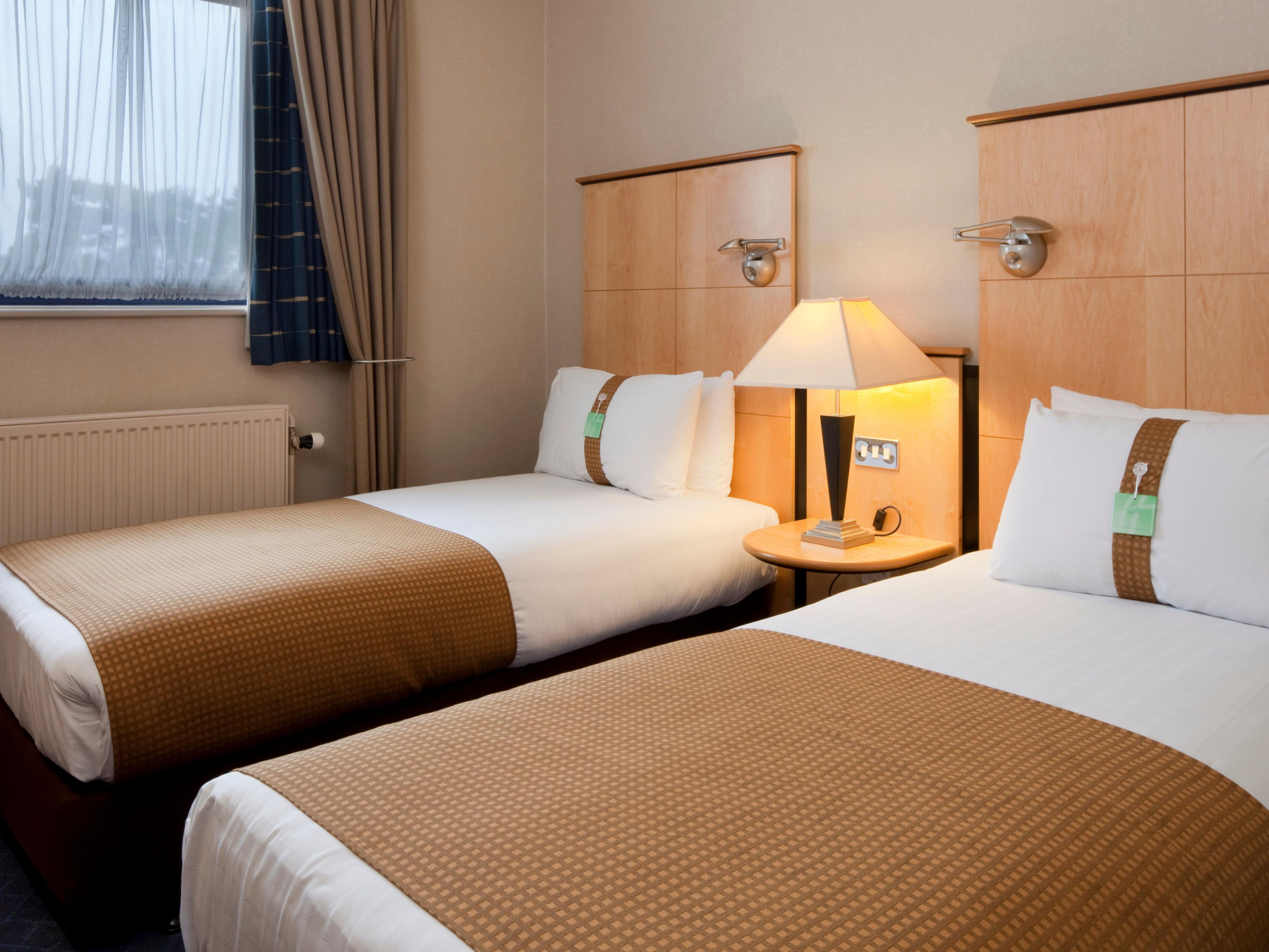 Tranquil rooms at the Holiday Inn Luton South