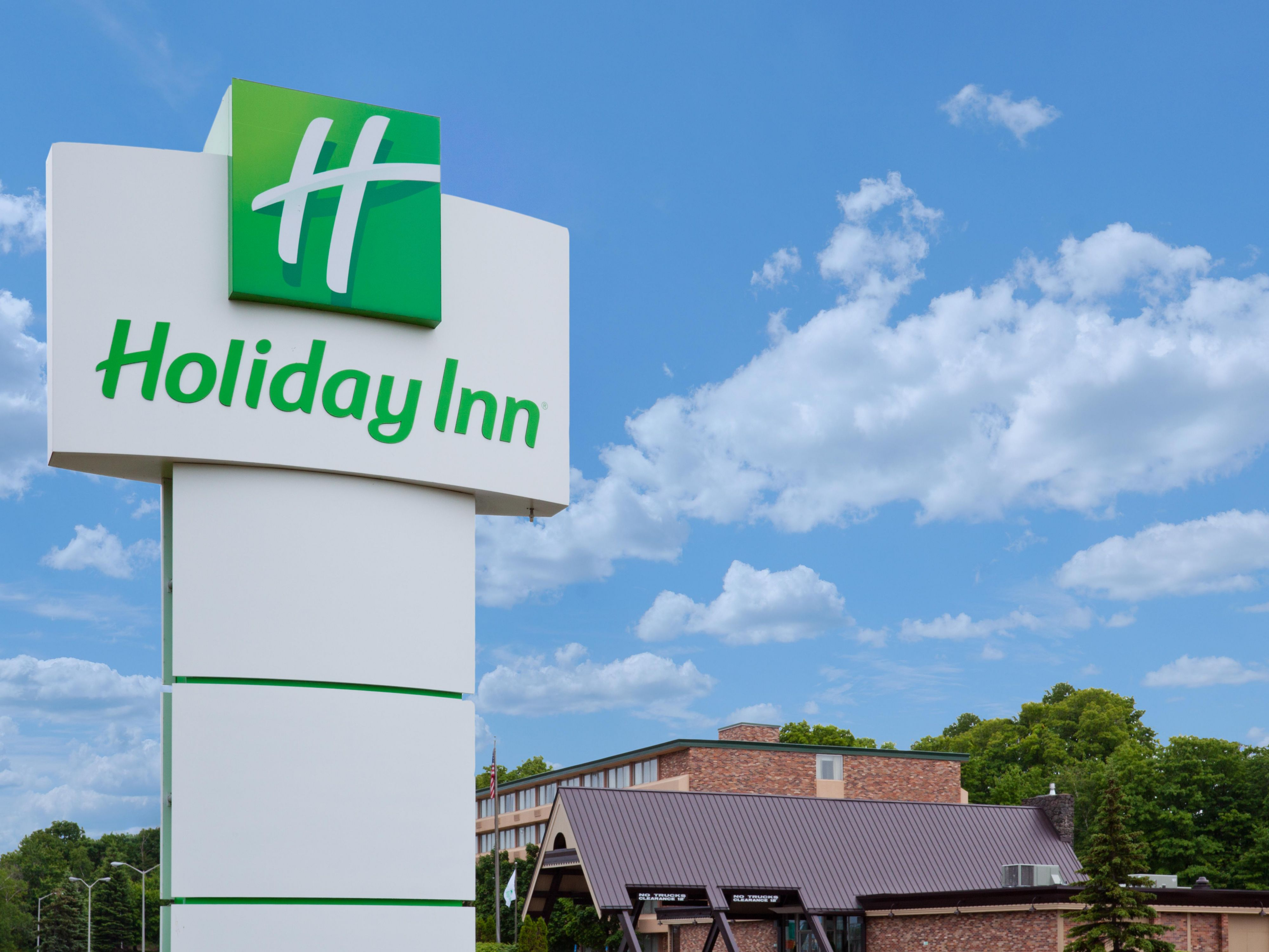 Welcome to the Holiday Inn of Marquette