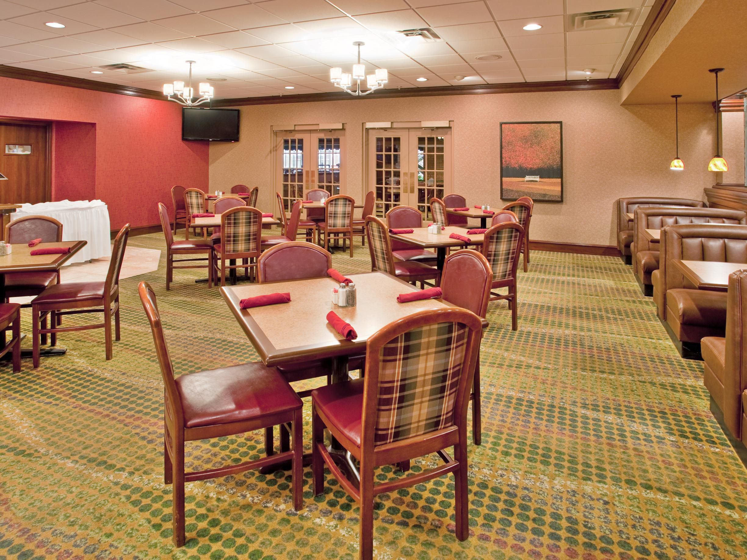 Enjoy a nice meal or a beverage in Remington's!