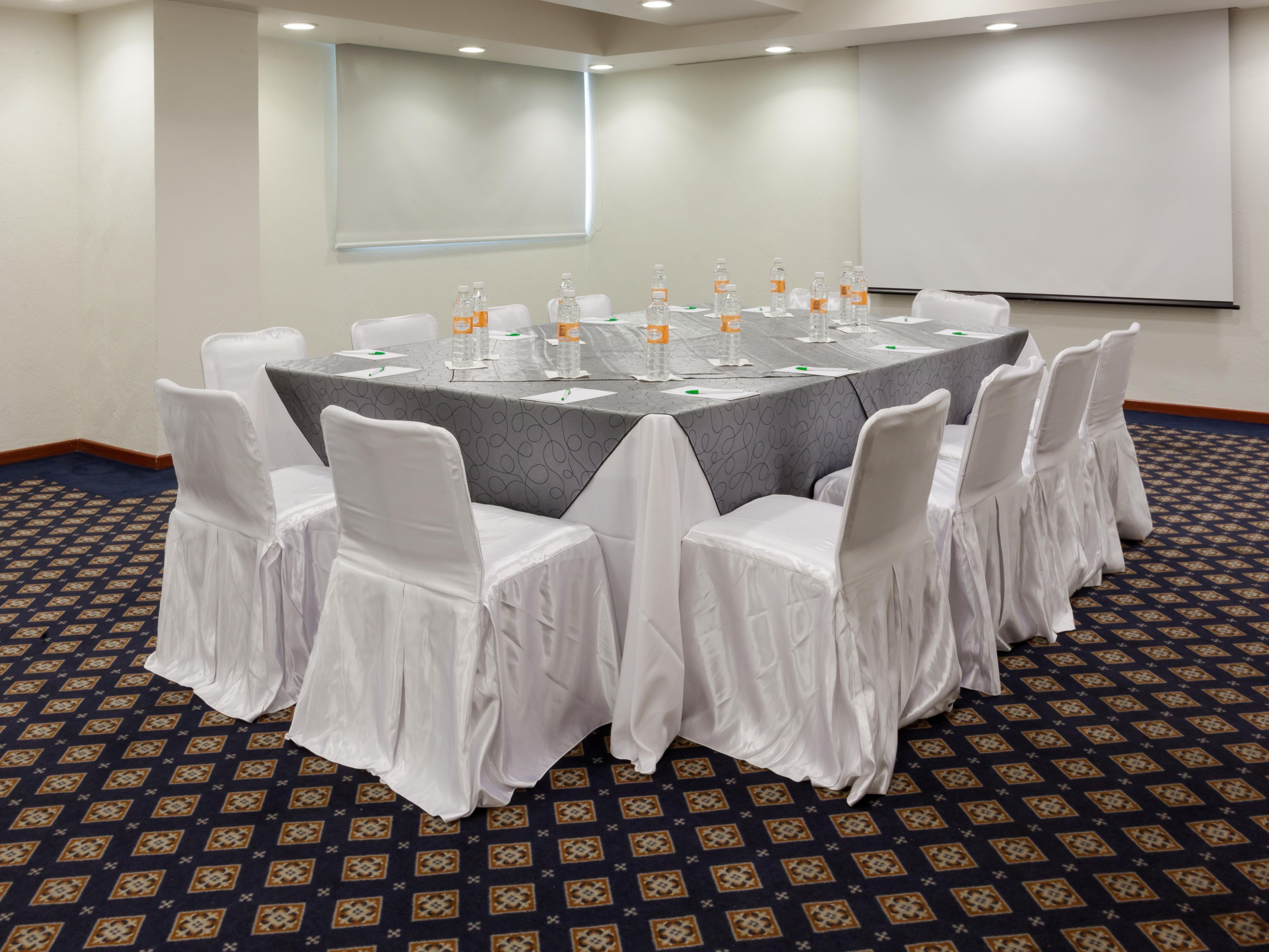 Our Meeting Rooms are perfect for meetings and banquets