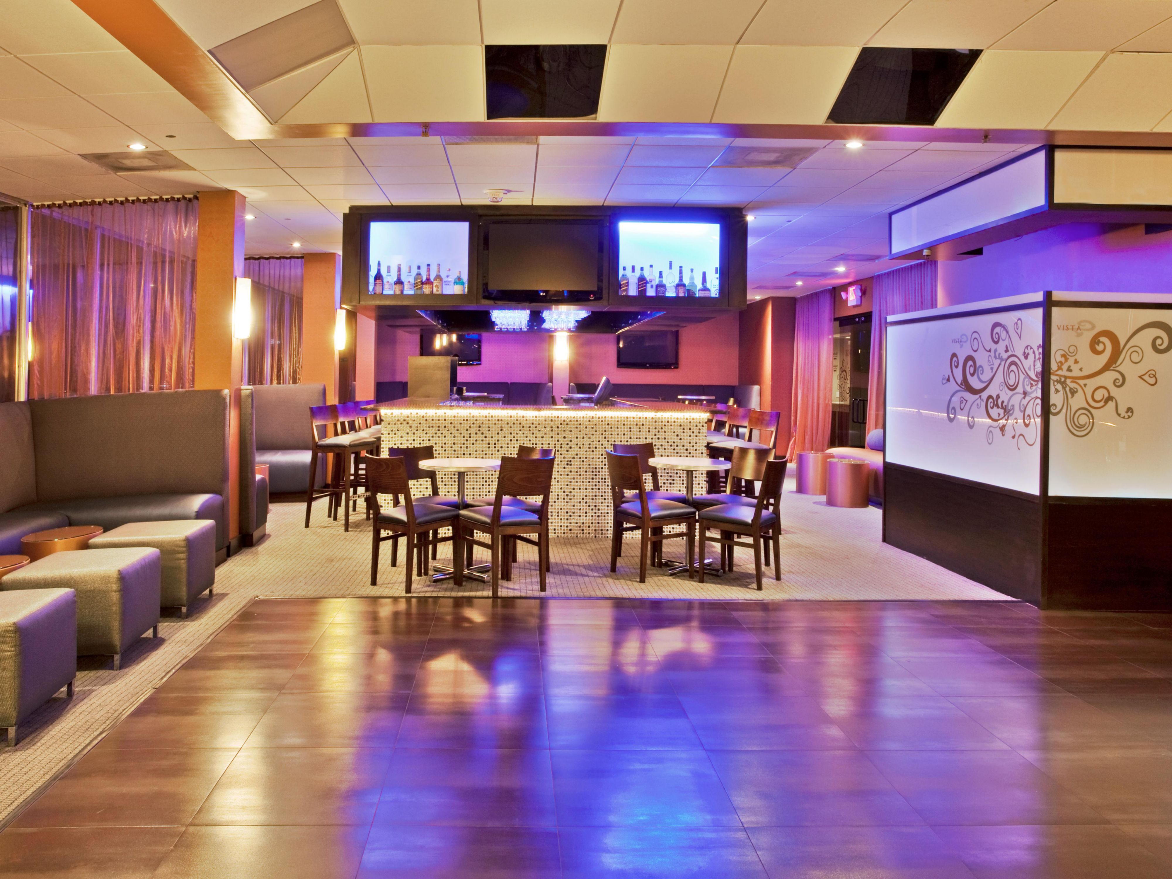 Vista Bar and Lounge