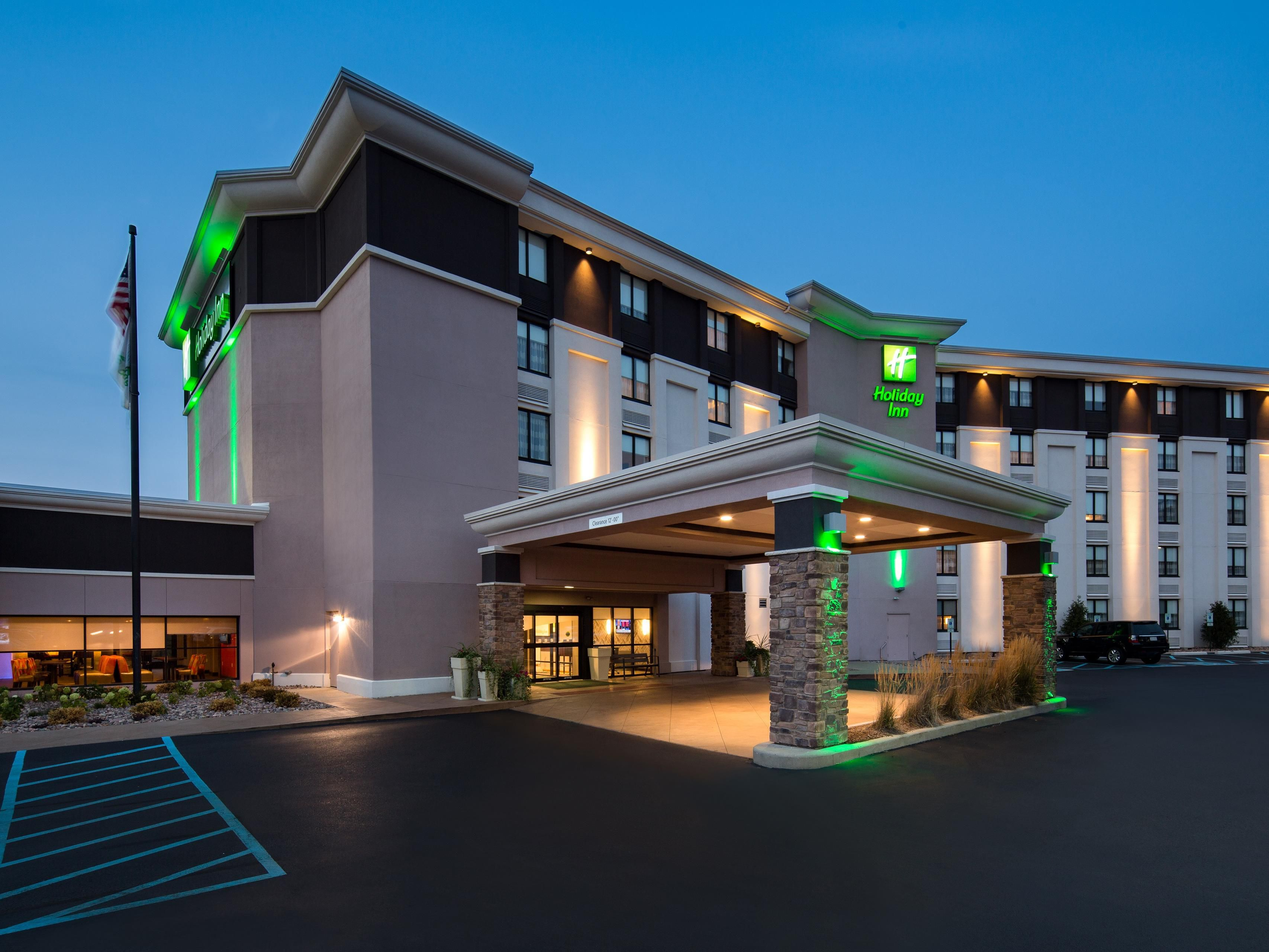 Holiday Inn Milwaukee Riverfront Hotel By Ihg