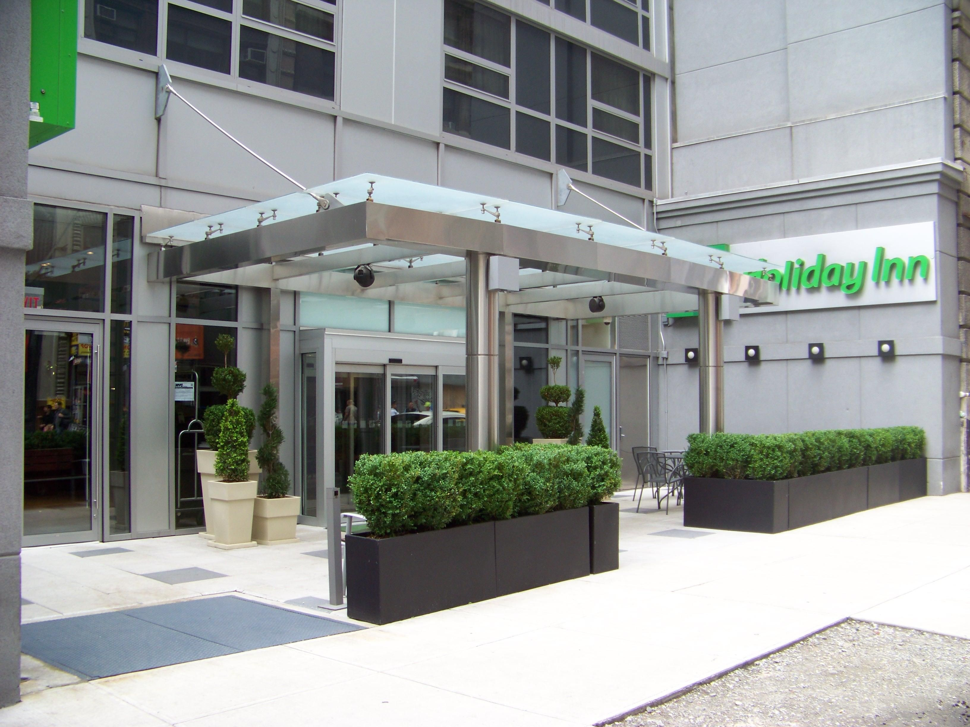 Welcome to the Holiday Inn Midtown
