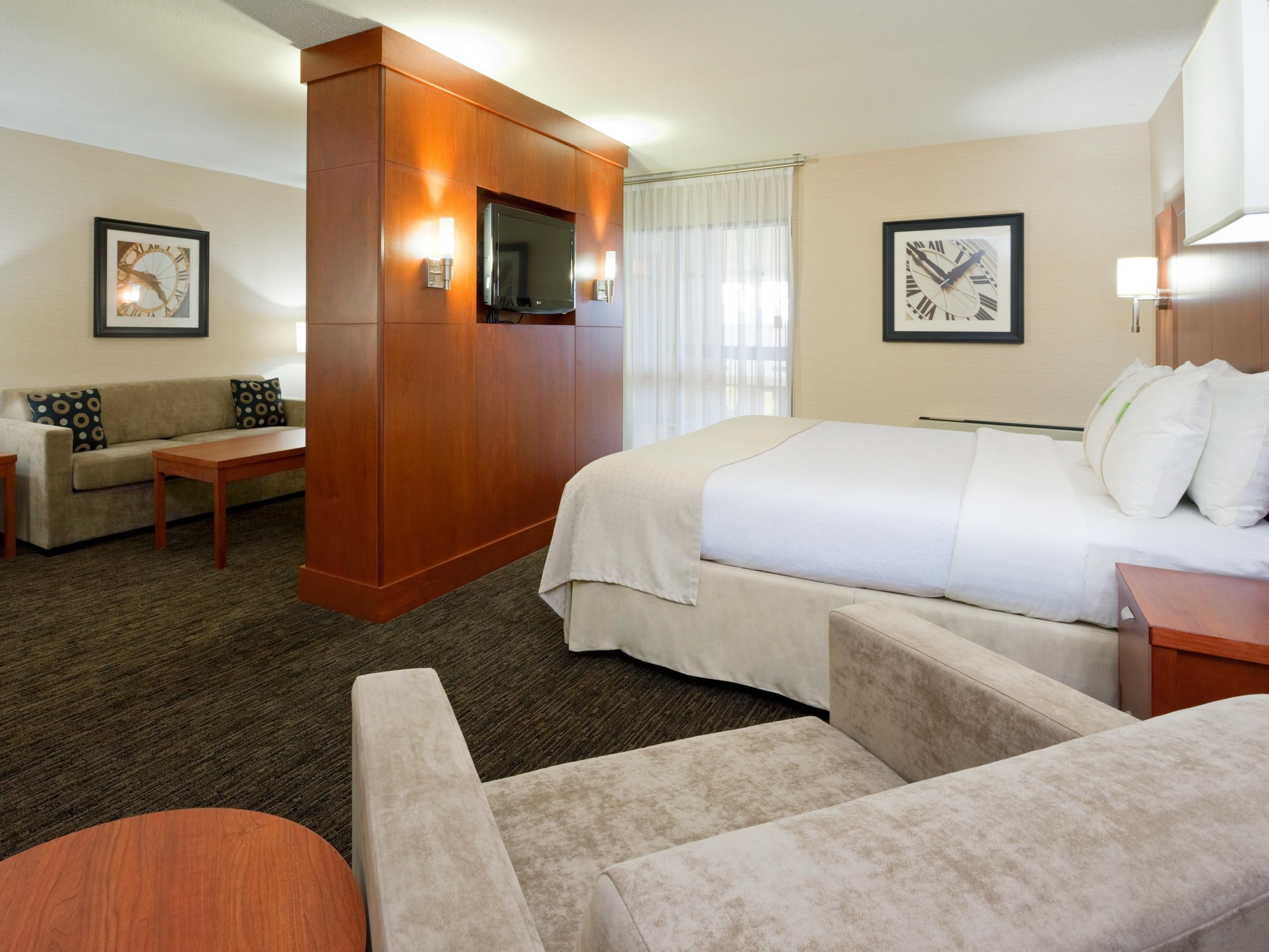 Executive Jr Suite