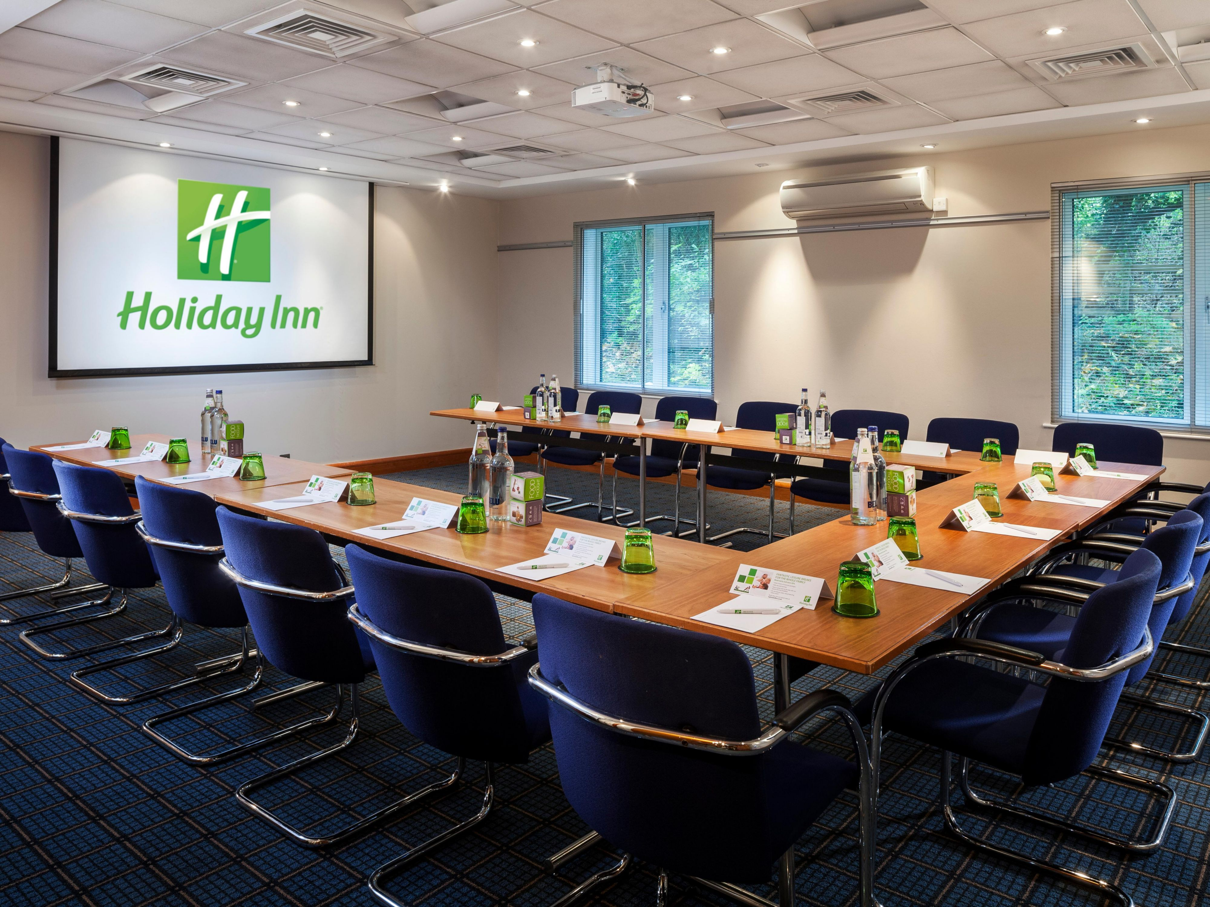 Medium size conference room