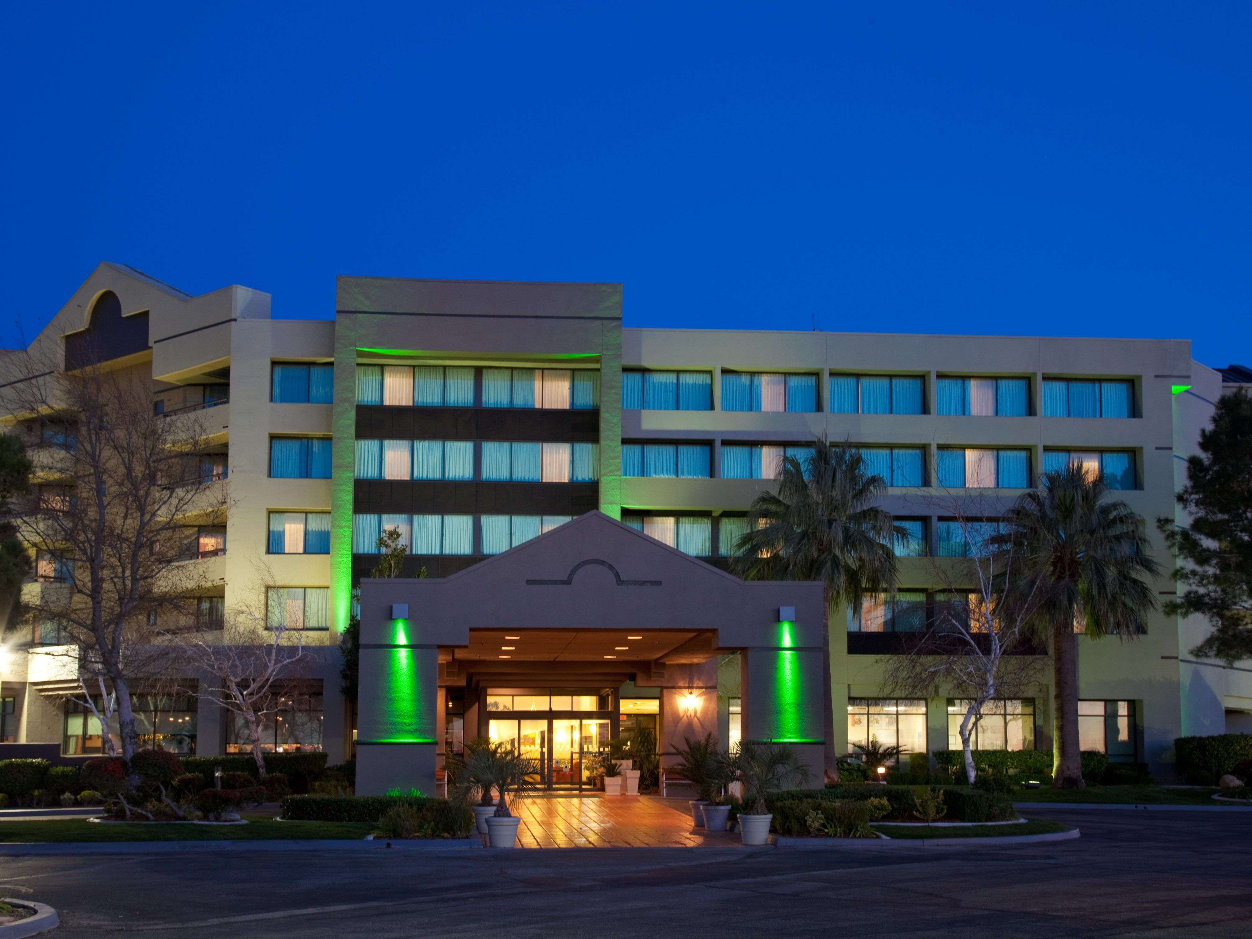 Holiday Inn Palmdale-Lancaster Hotel - Hotel Exterior