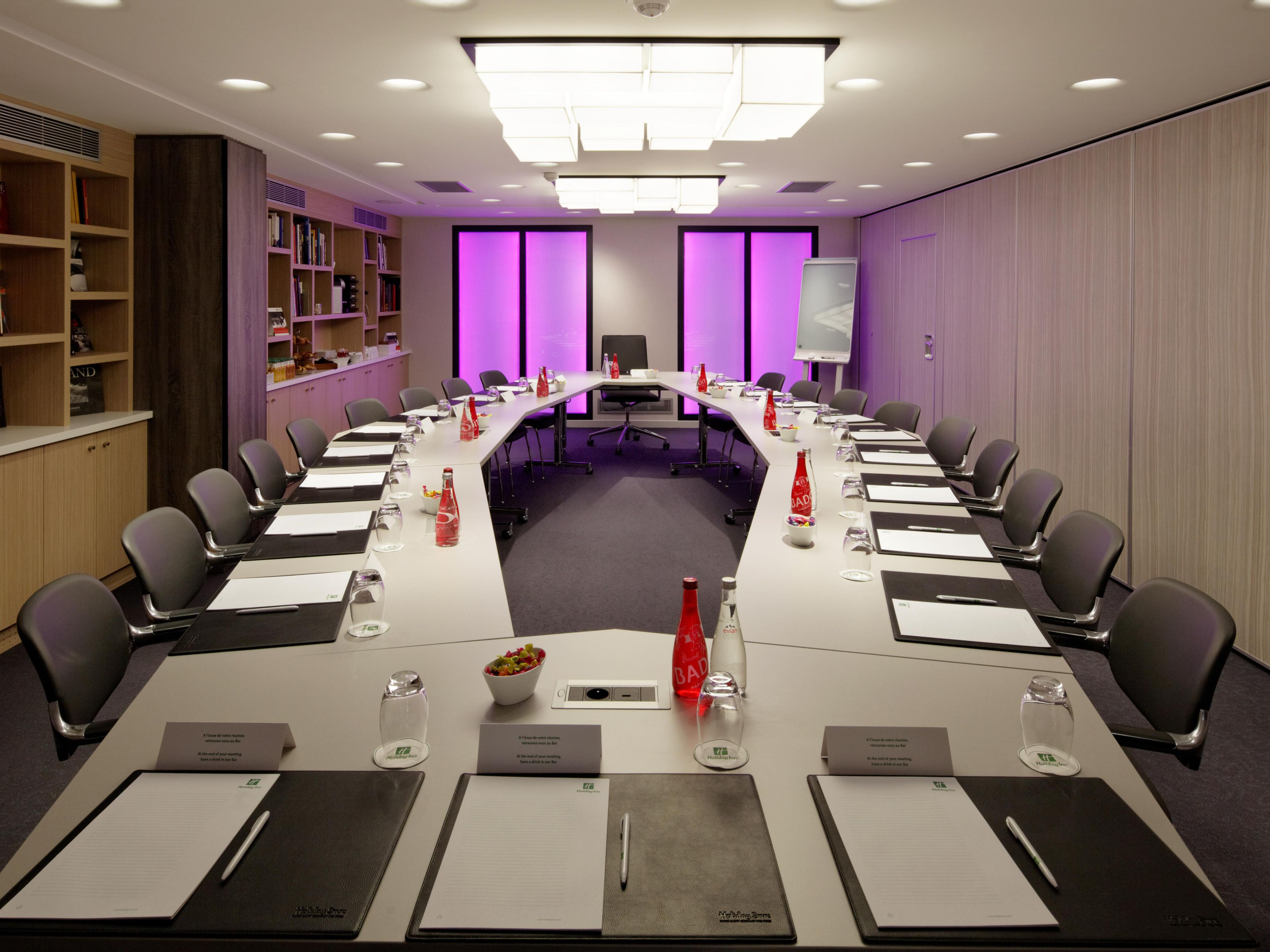 Meeting Room 'Descartes' with Living Colors Lighting System