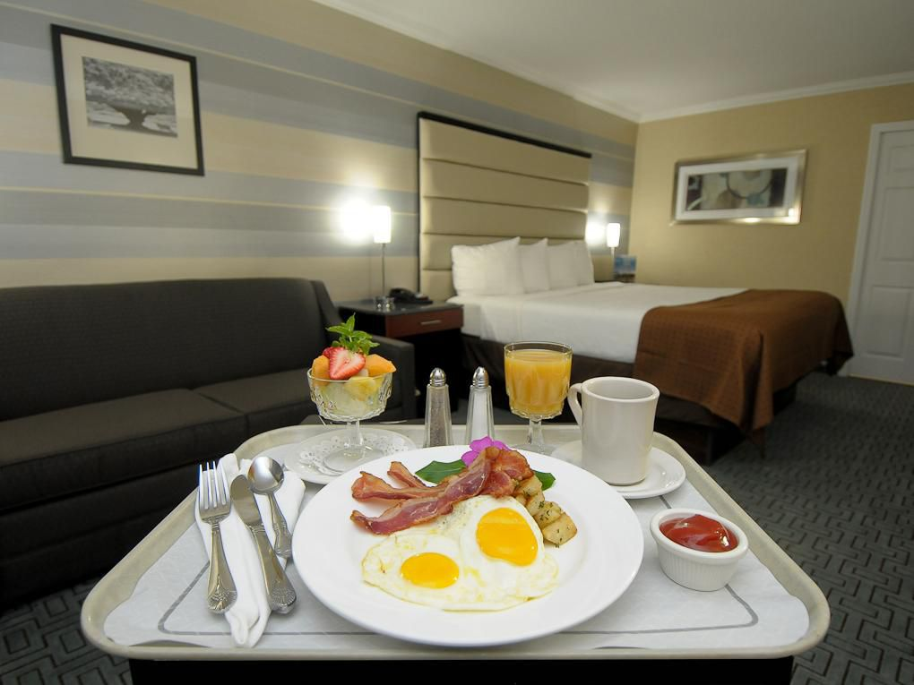 Enjoy in room dining at your comfort & leisure.