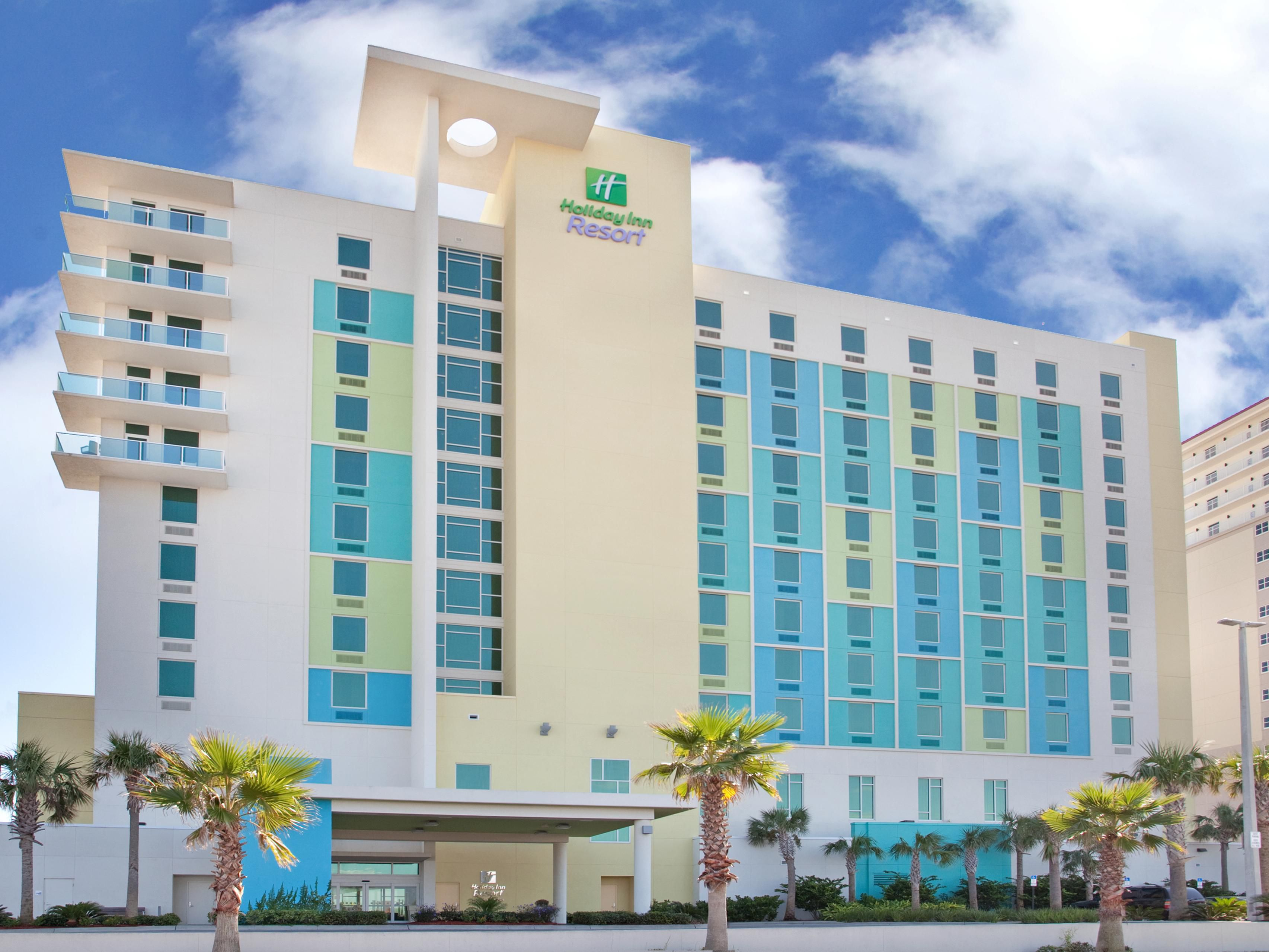 Holiday Inn Resort Pensacola Beach is located directly on the Gulf
