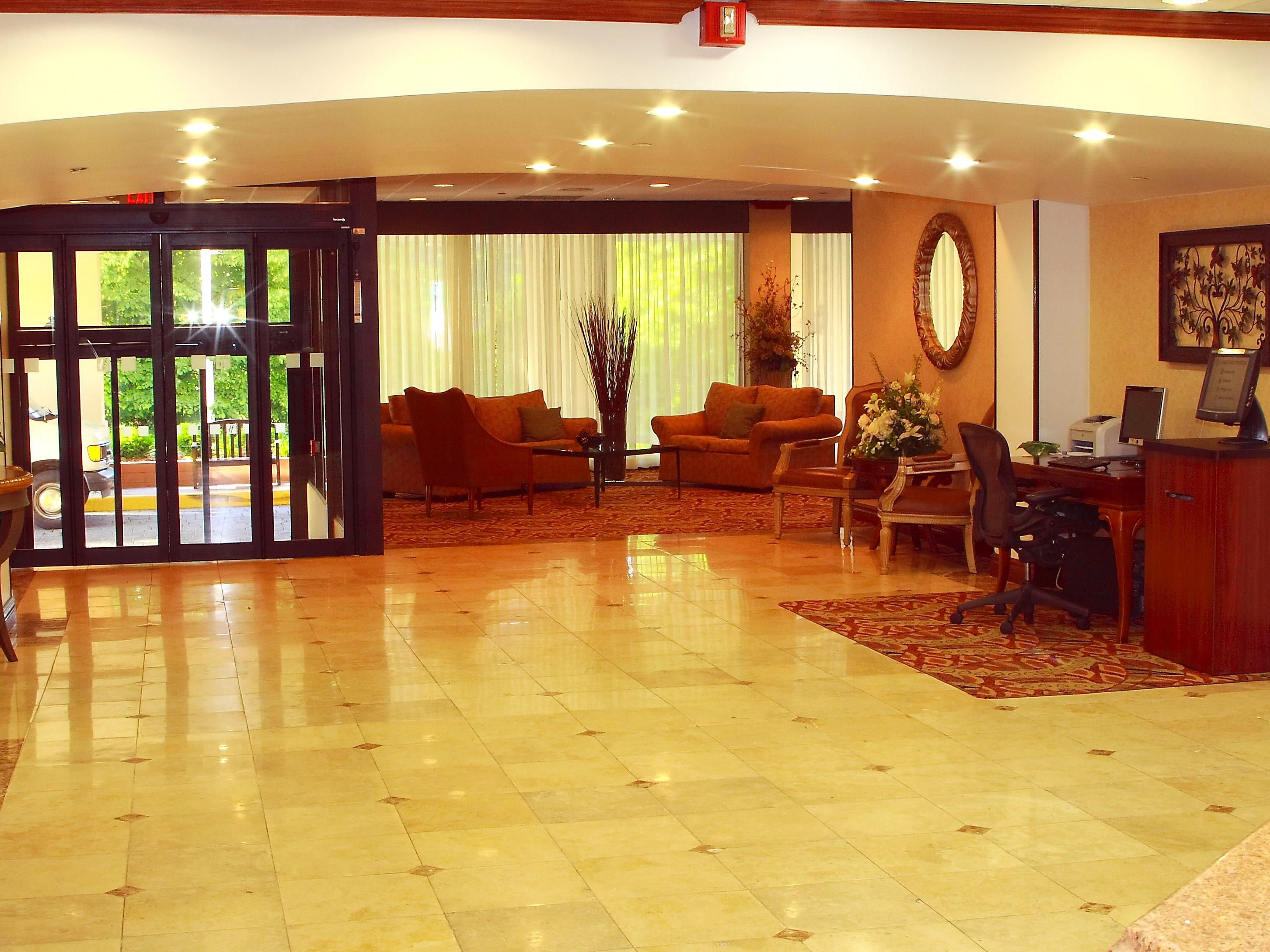 Holiday Inn Saddle Brook Hotel Hotel Lobby
