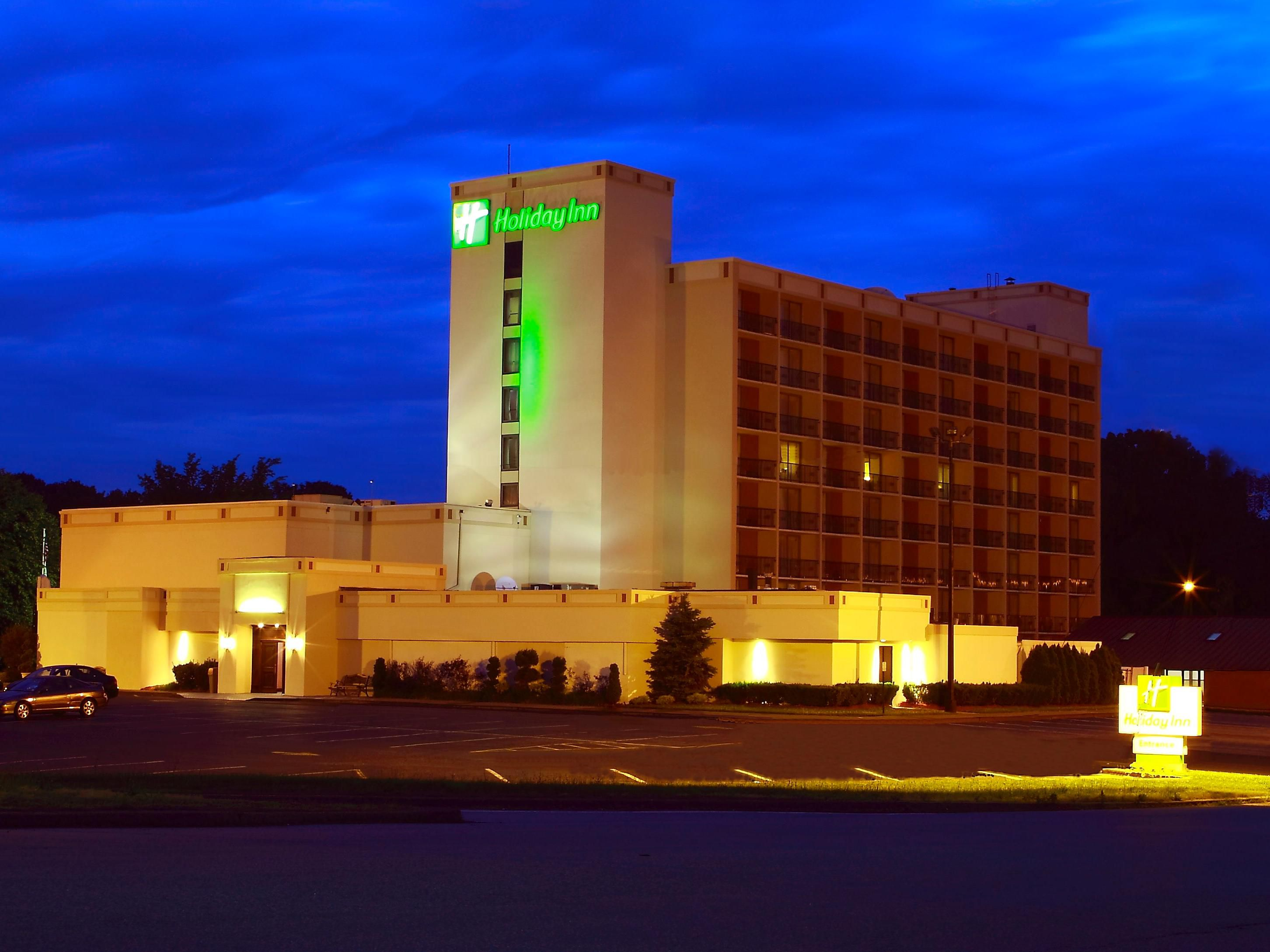 Welcome to Holiday Inn Saddle Brook, NJ